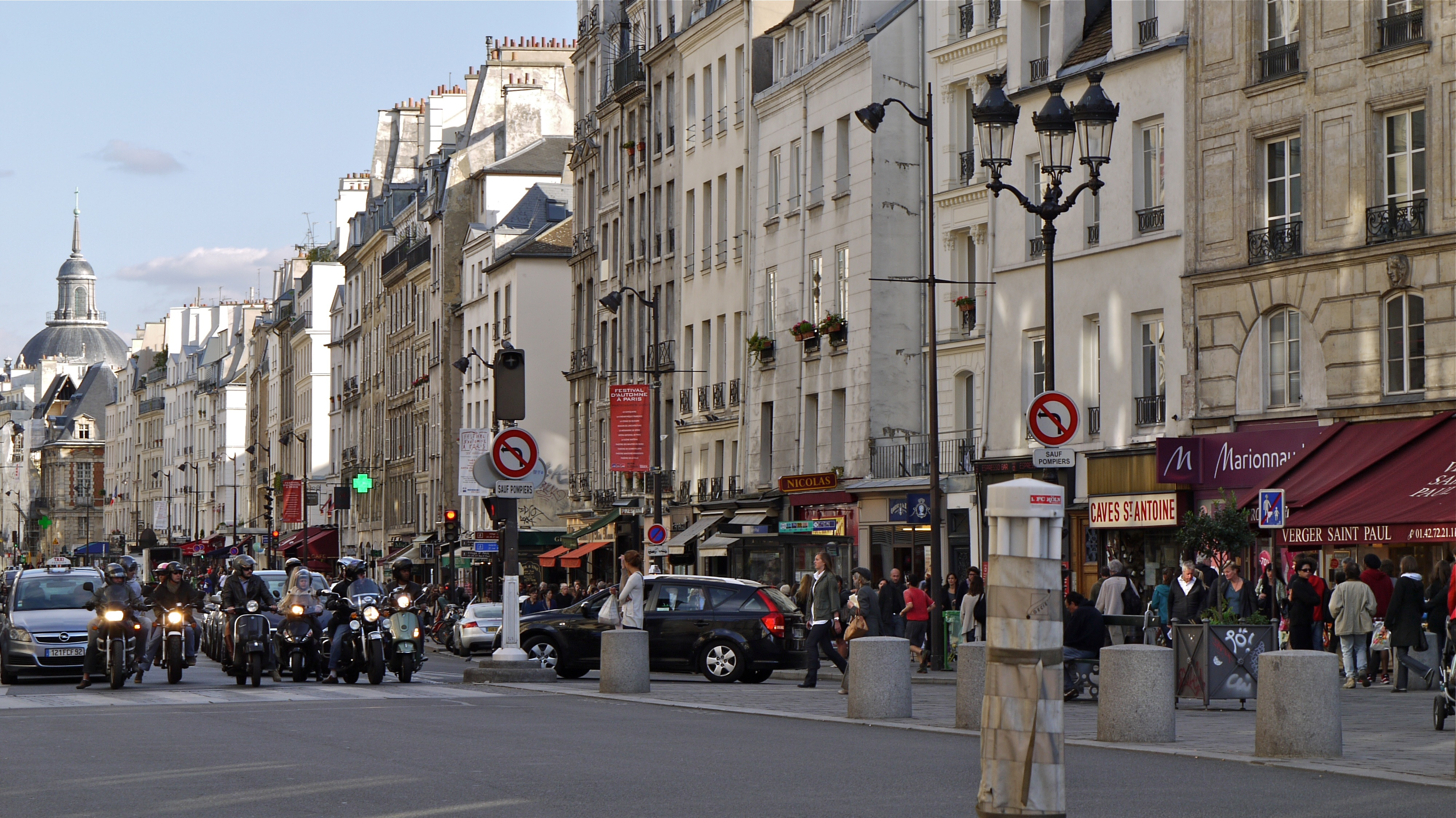 File France Paris La Rue Saint Antoine Dans Le Quartier
