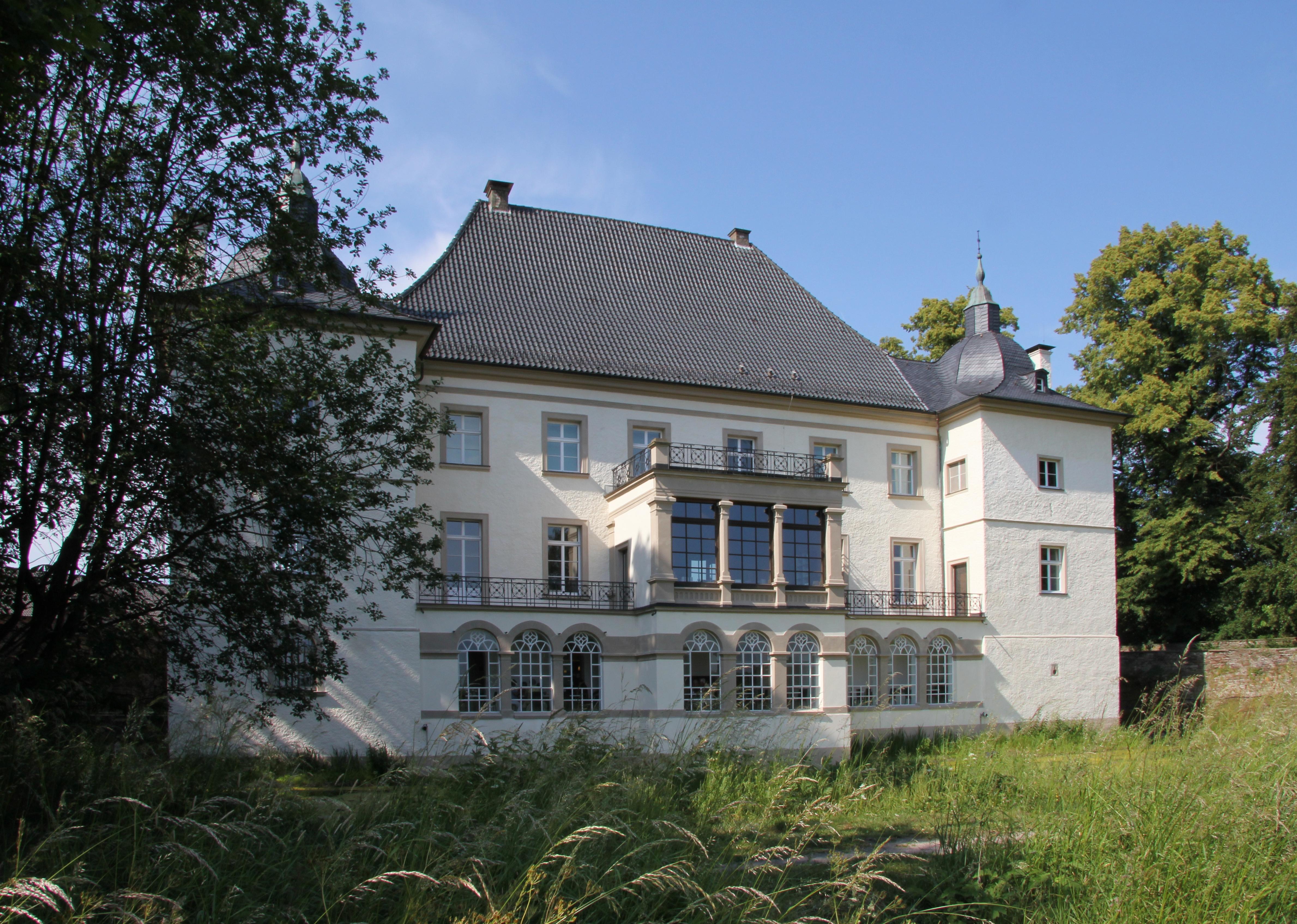 Malermarkt auf Haus Opherdicke in Holzwickede 2016 | zeitgenössische ...
