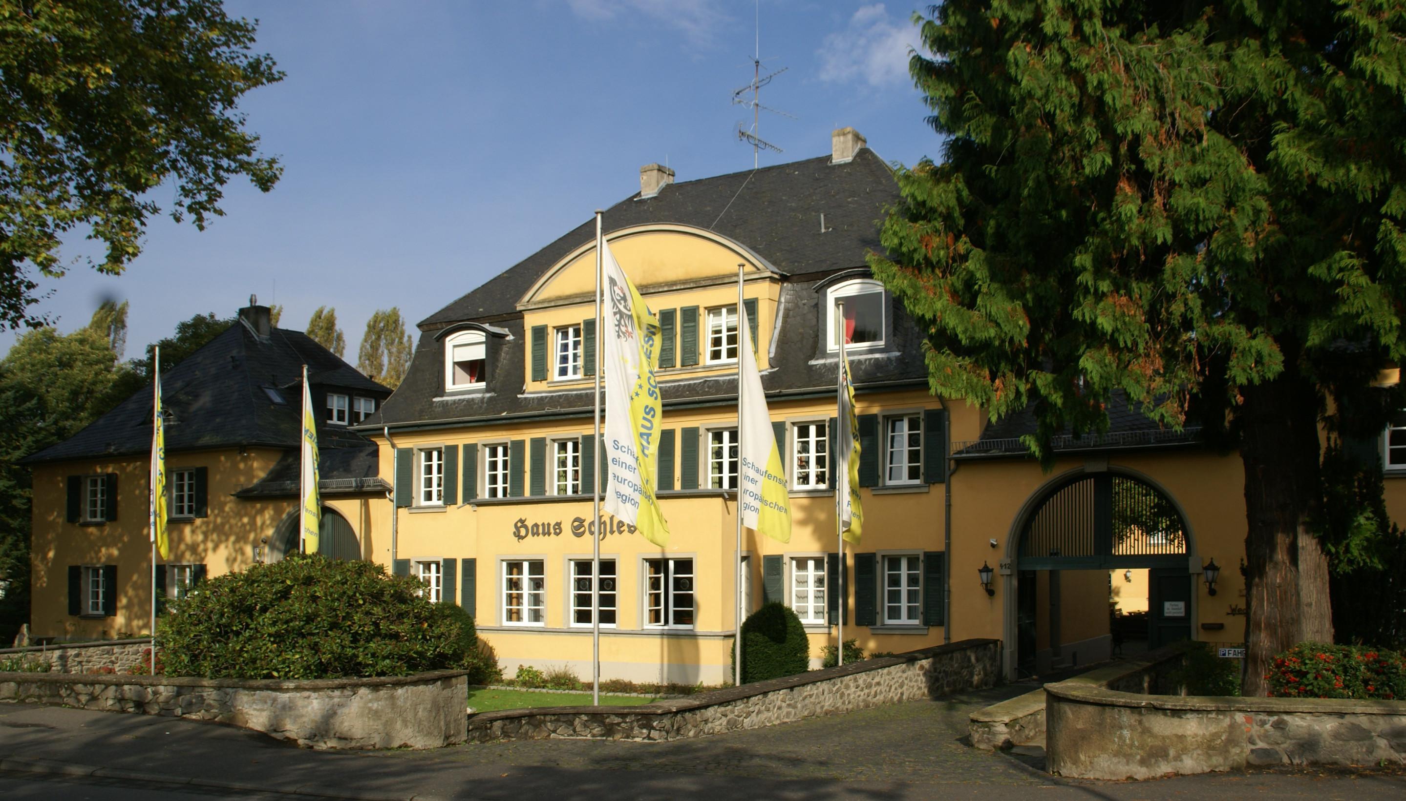 File Heisterbacherrott Haus Schlesien 02 Png Wikimedia Commons