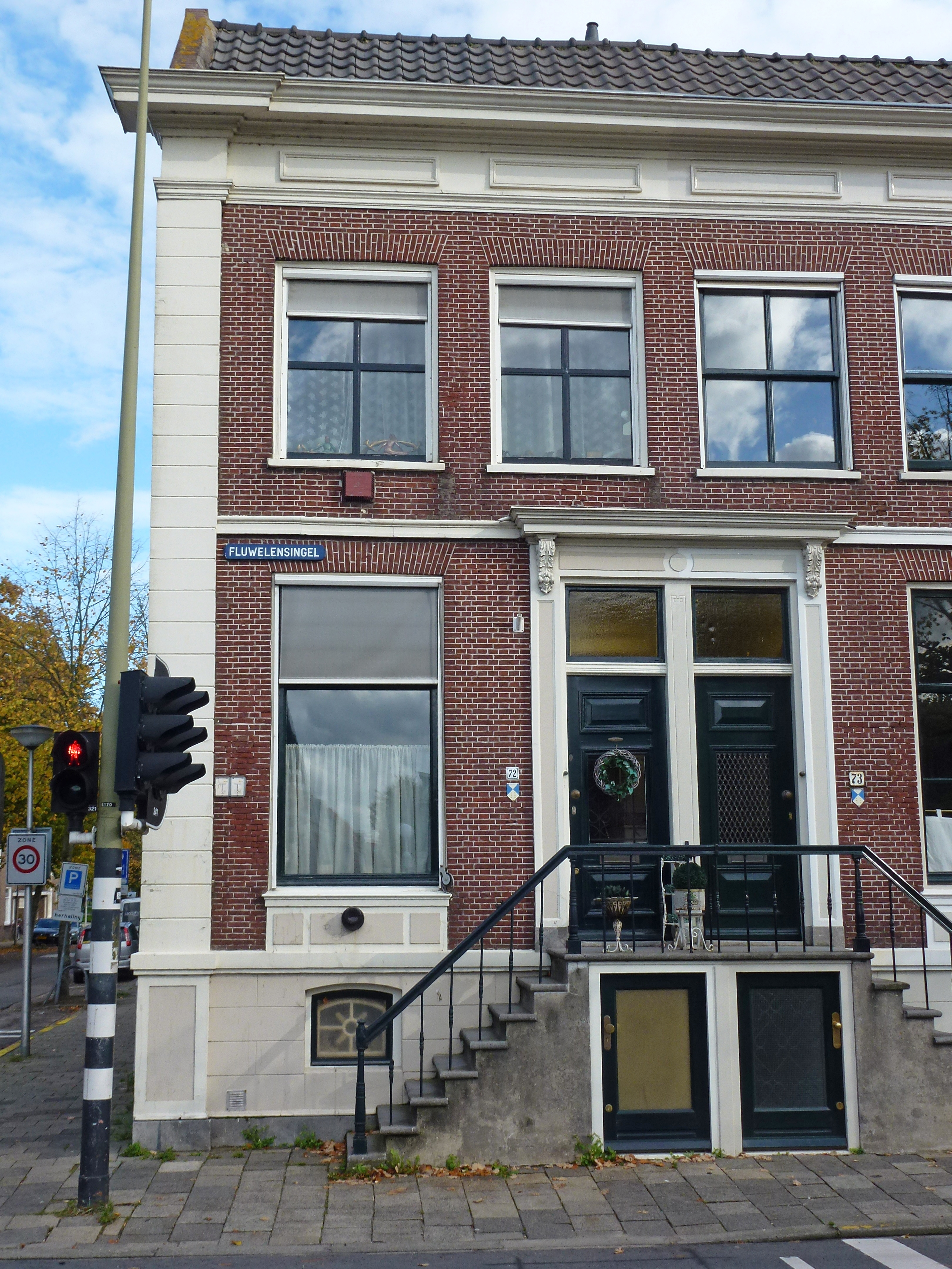 File huis fluwelensingel 72 wikimedia commons - Huis trap ...