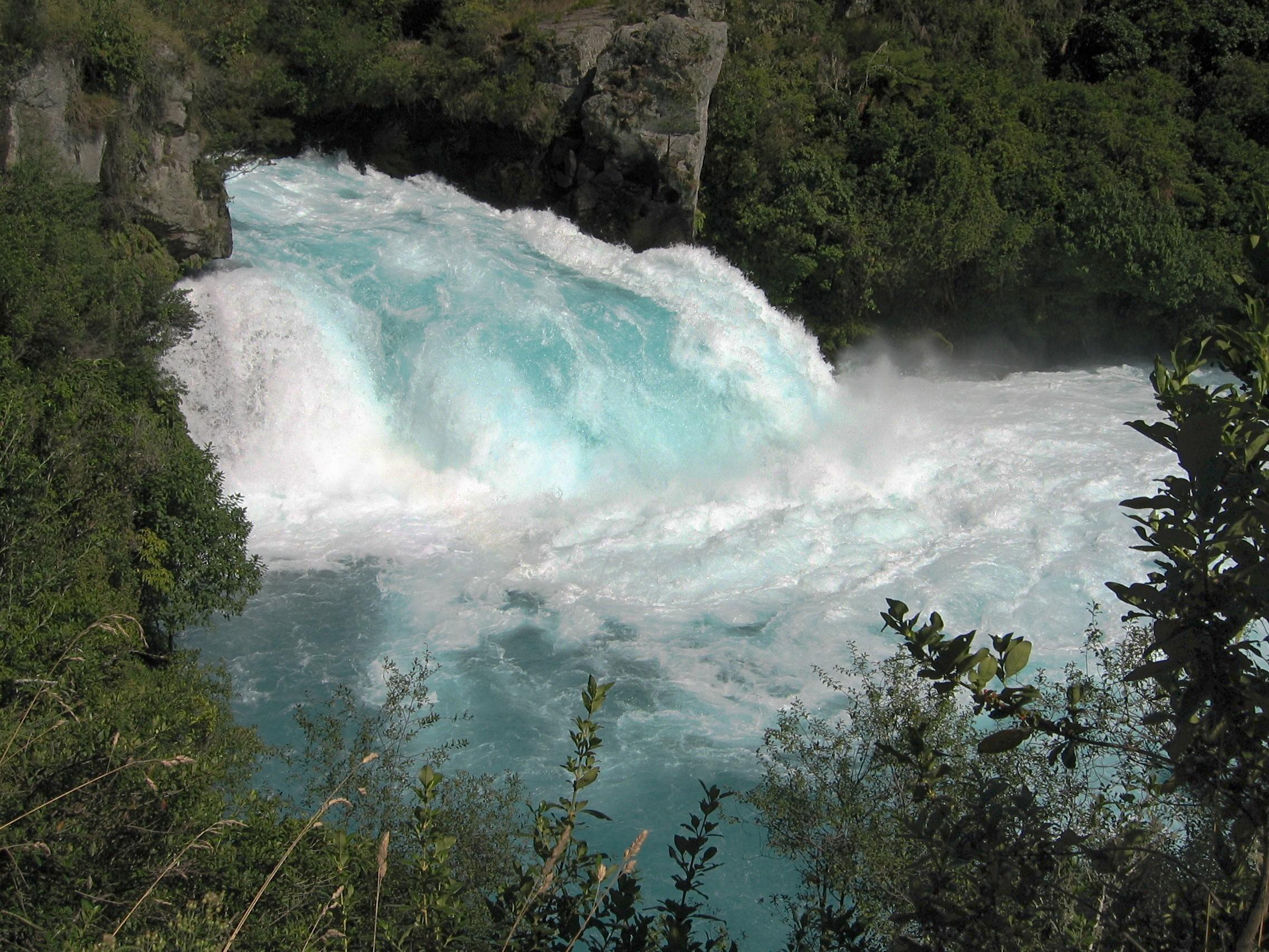 File:Huka Falls.jpg - Wikimedia Commons