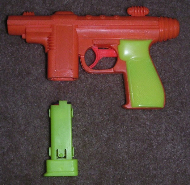 Tracer Gun, clip removed - from Wikipedia