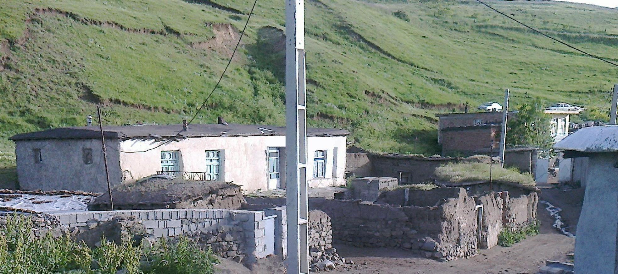 نمایی از یک خانه روستایی در خان کندی
