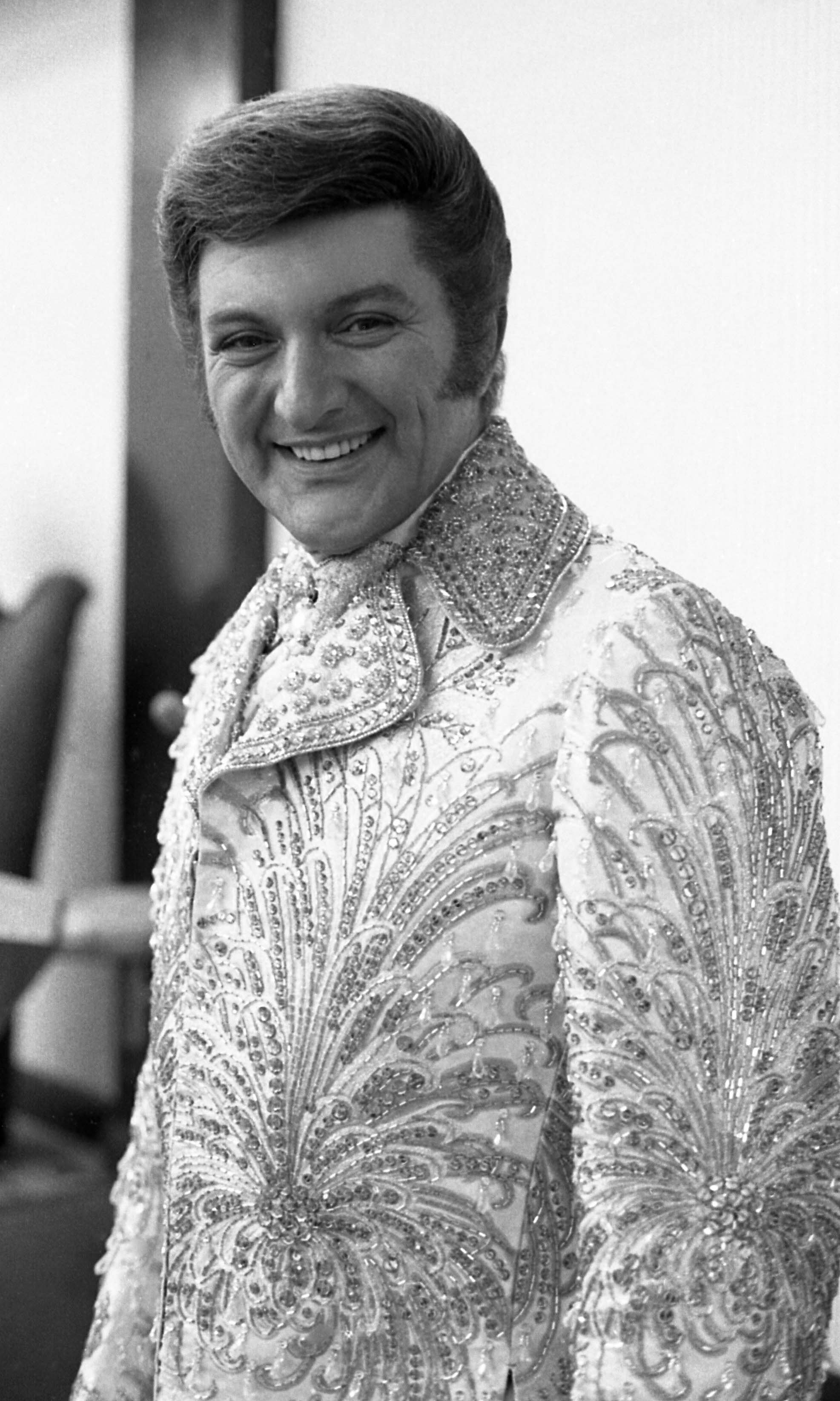 liberace death details - HD 1973×3288