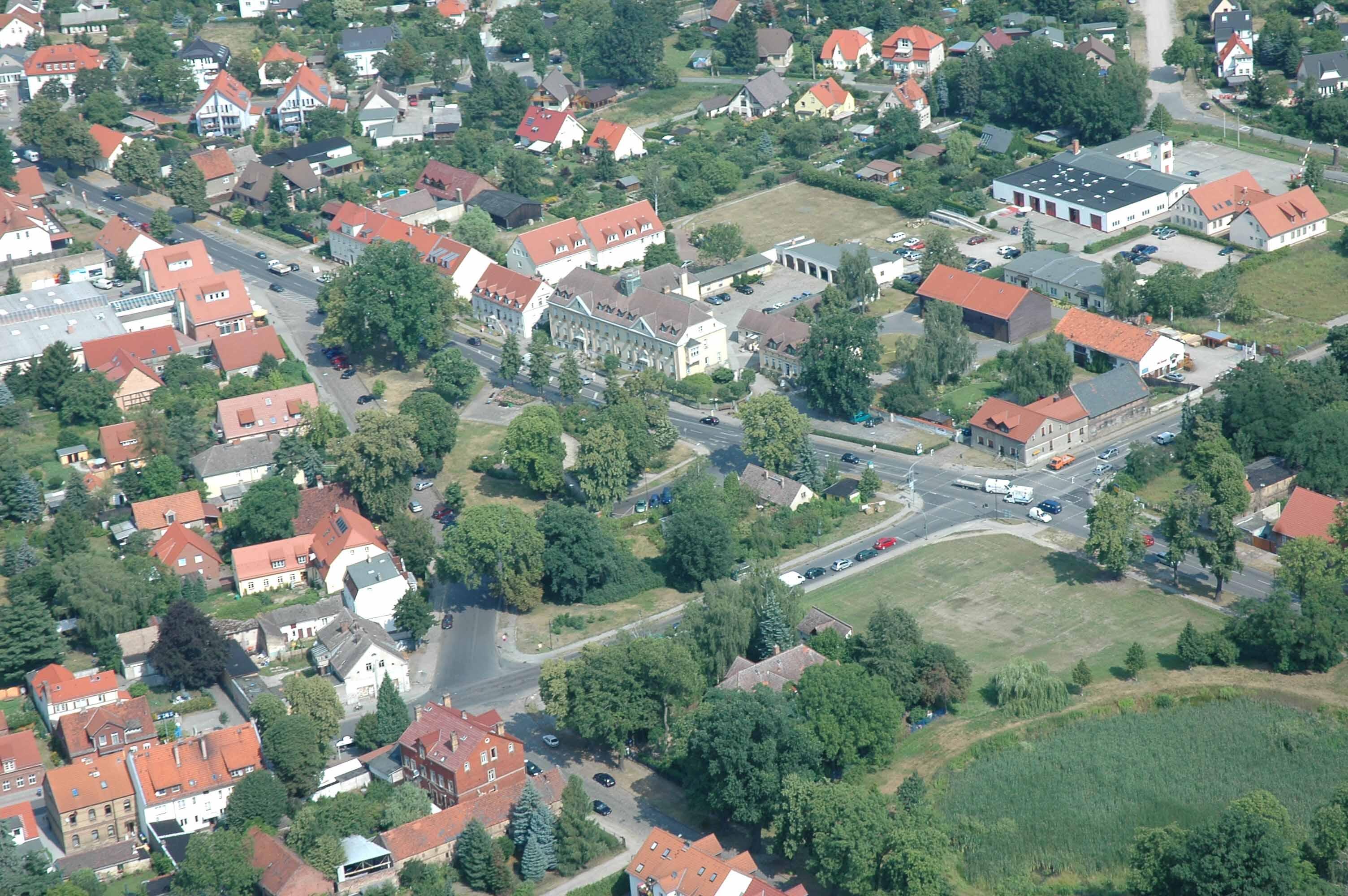 Falkensee Germany  City new picture : Ortszentrum mit dem Rathaus in Alter Finkenkrug, Germany