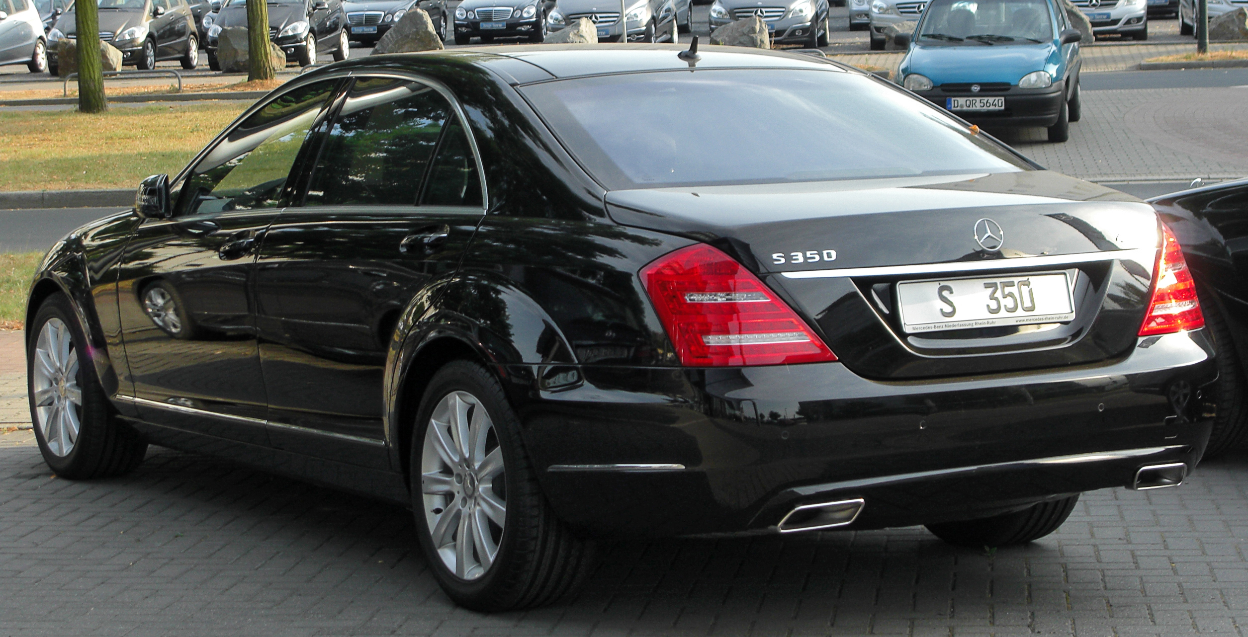 Description mercedes s 350 4matic l v221 facelift rear for Mercedes benz s 350