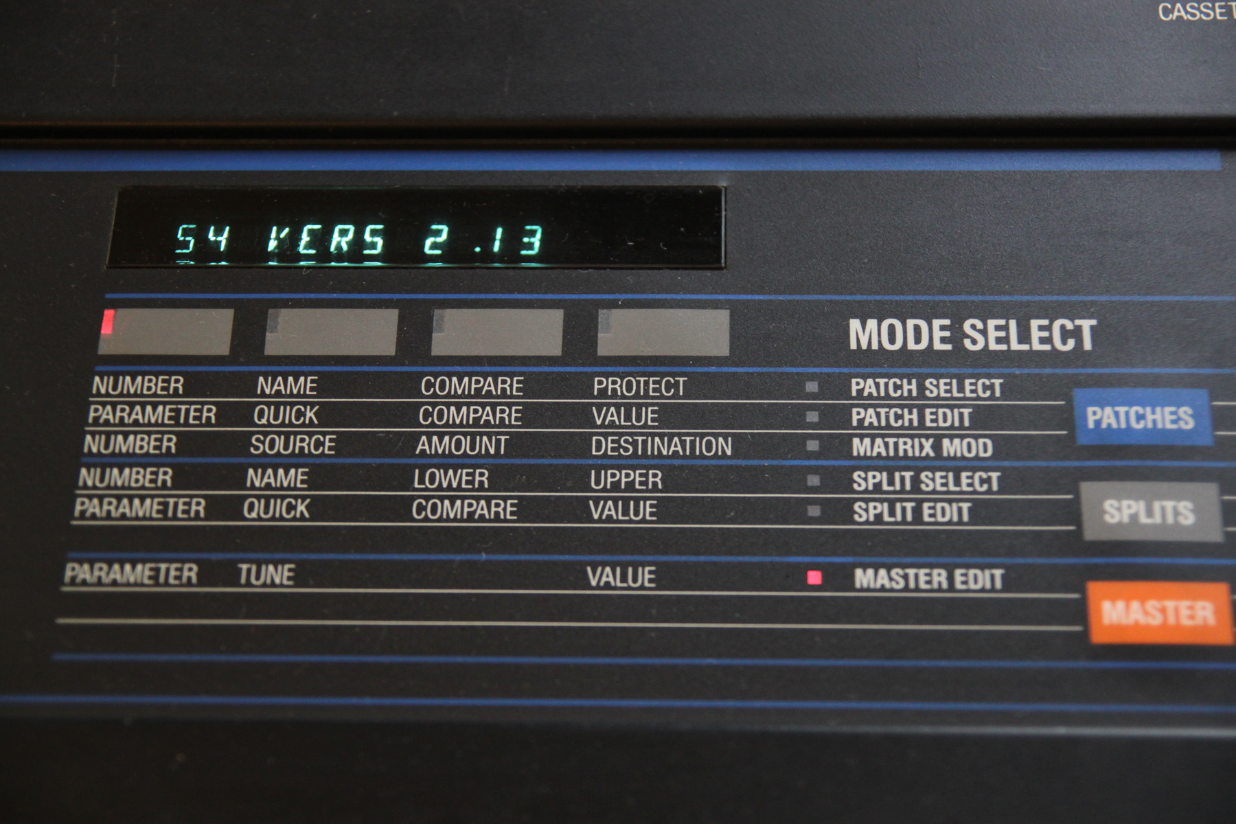 File:Oberheim Matrix-6 - display & mode select jpg - Wikimedia Commons