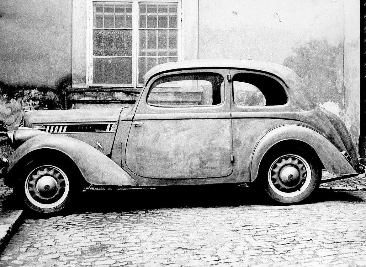 Selling Your Old Car For A New One With Image Christinamaria - Old car photos