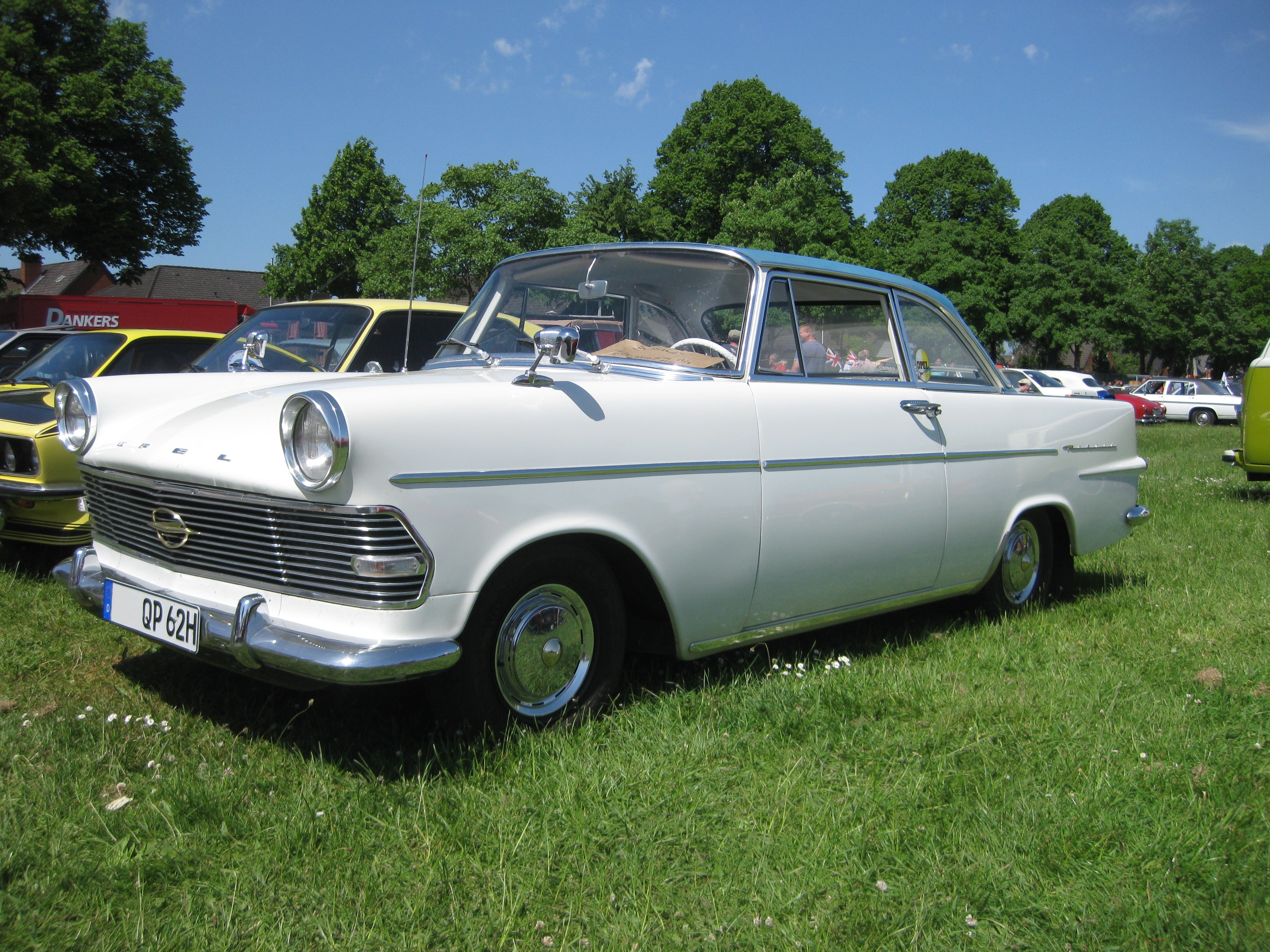 File Opel Rekord P2 Coupe Jpg Wikimedia Commons