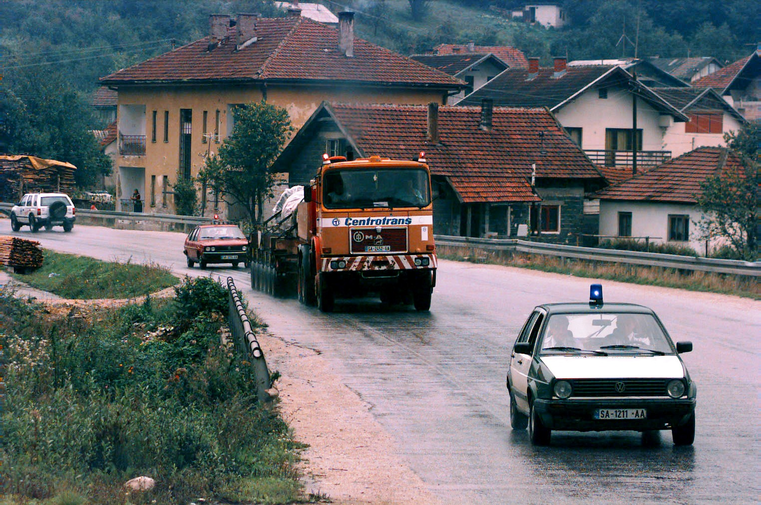 One Ton Truck >> File:Overweight load transport in Bosnia, 1996.JPEG ...