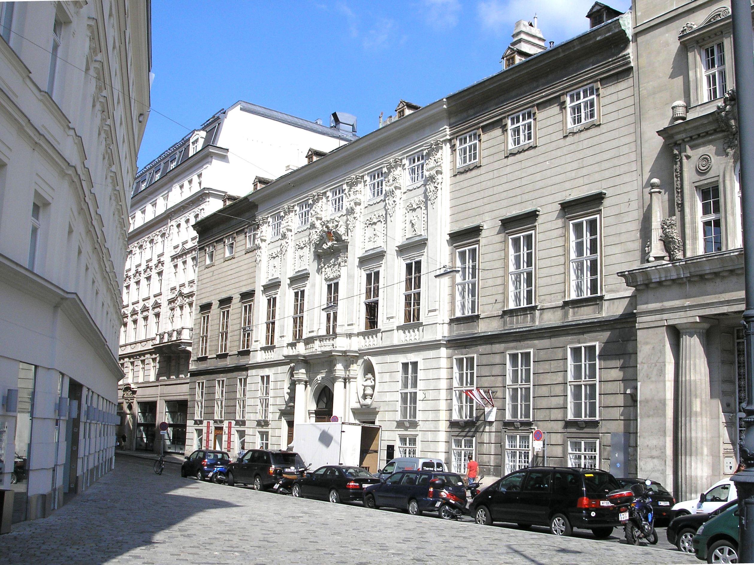 Palais Schönborn-Batthyany Vienna June 2006 559.jpg