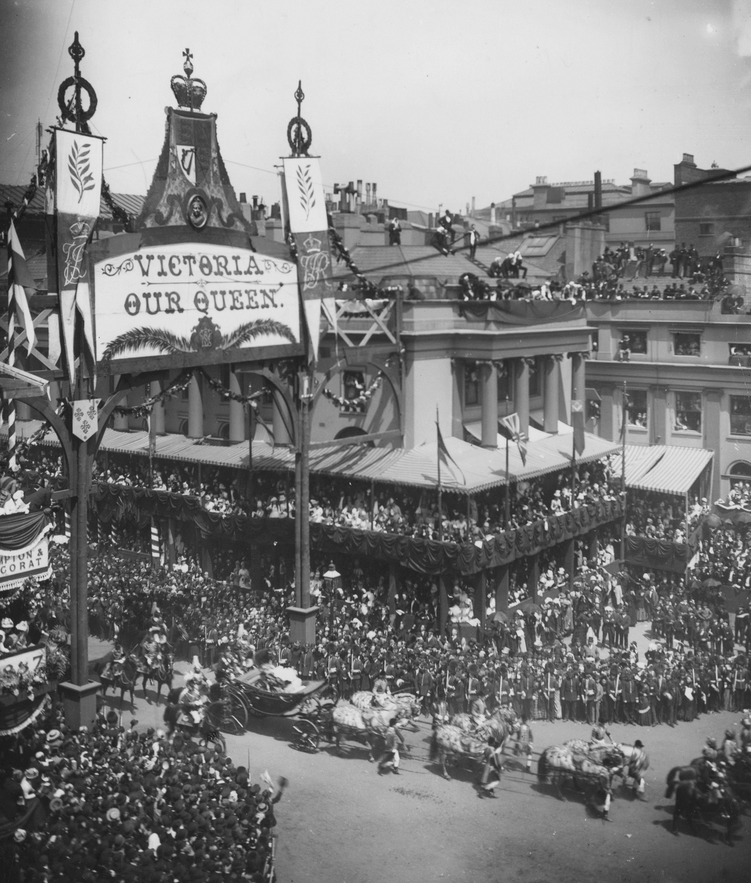 external image Queen_Victoria's_Golden_Jubilee_procession.jpg