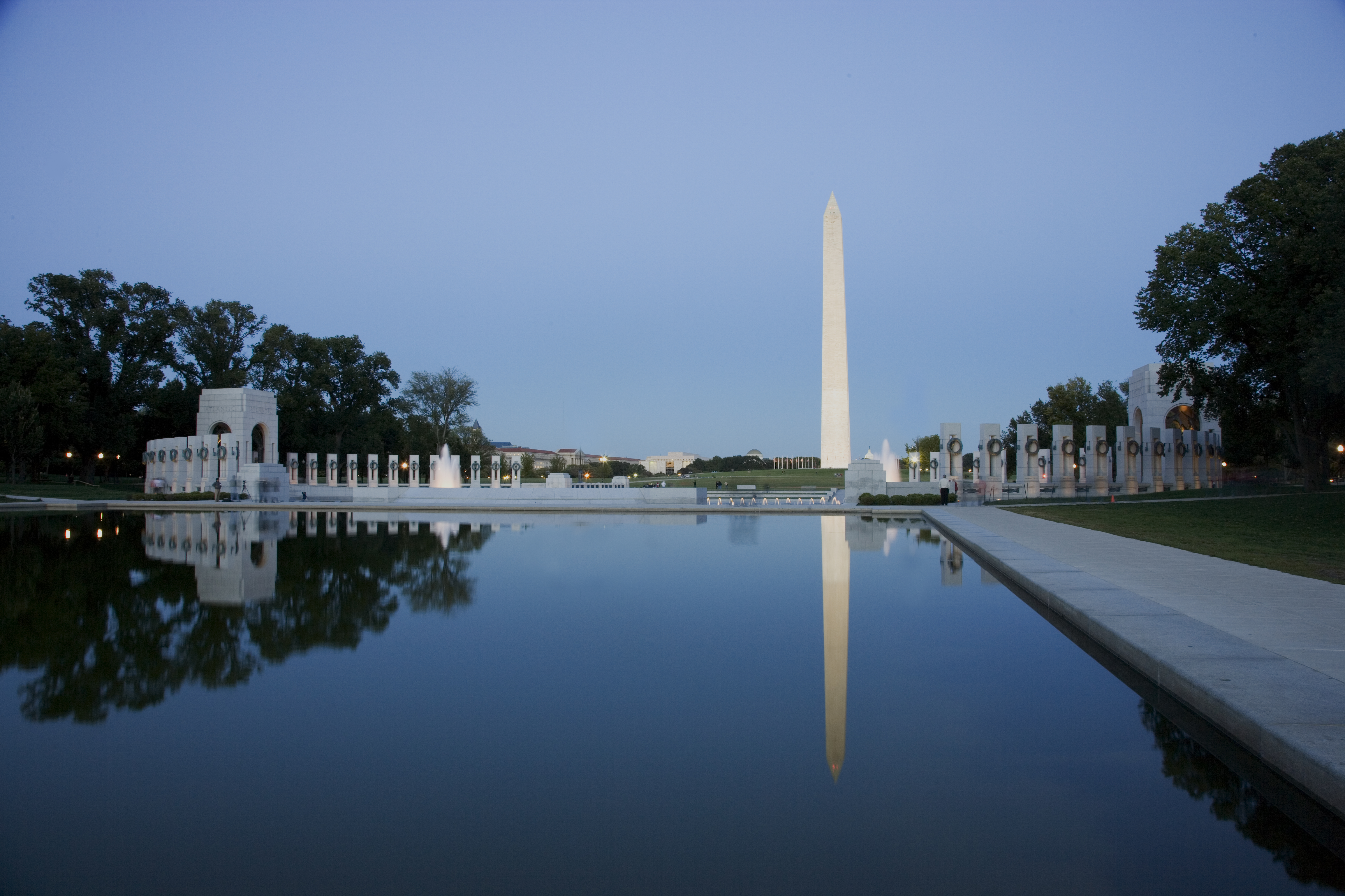 file reflecting pool on the national mall with the washington