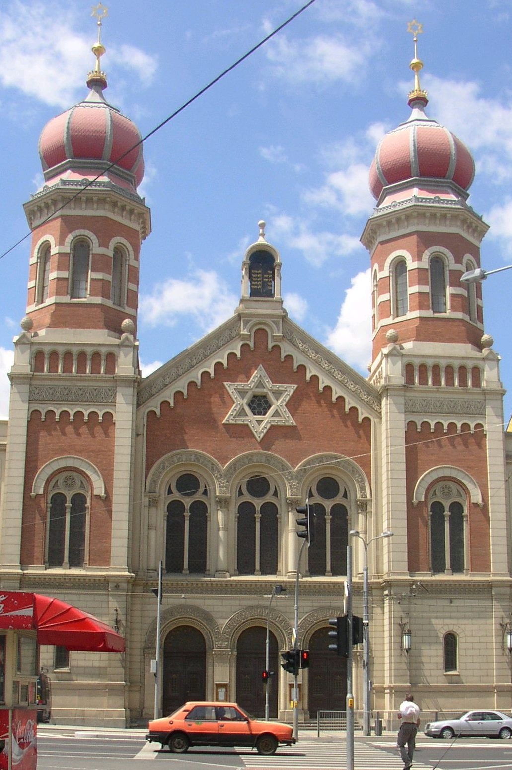[Imagem: Sinagoga_Plzen.jpg]