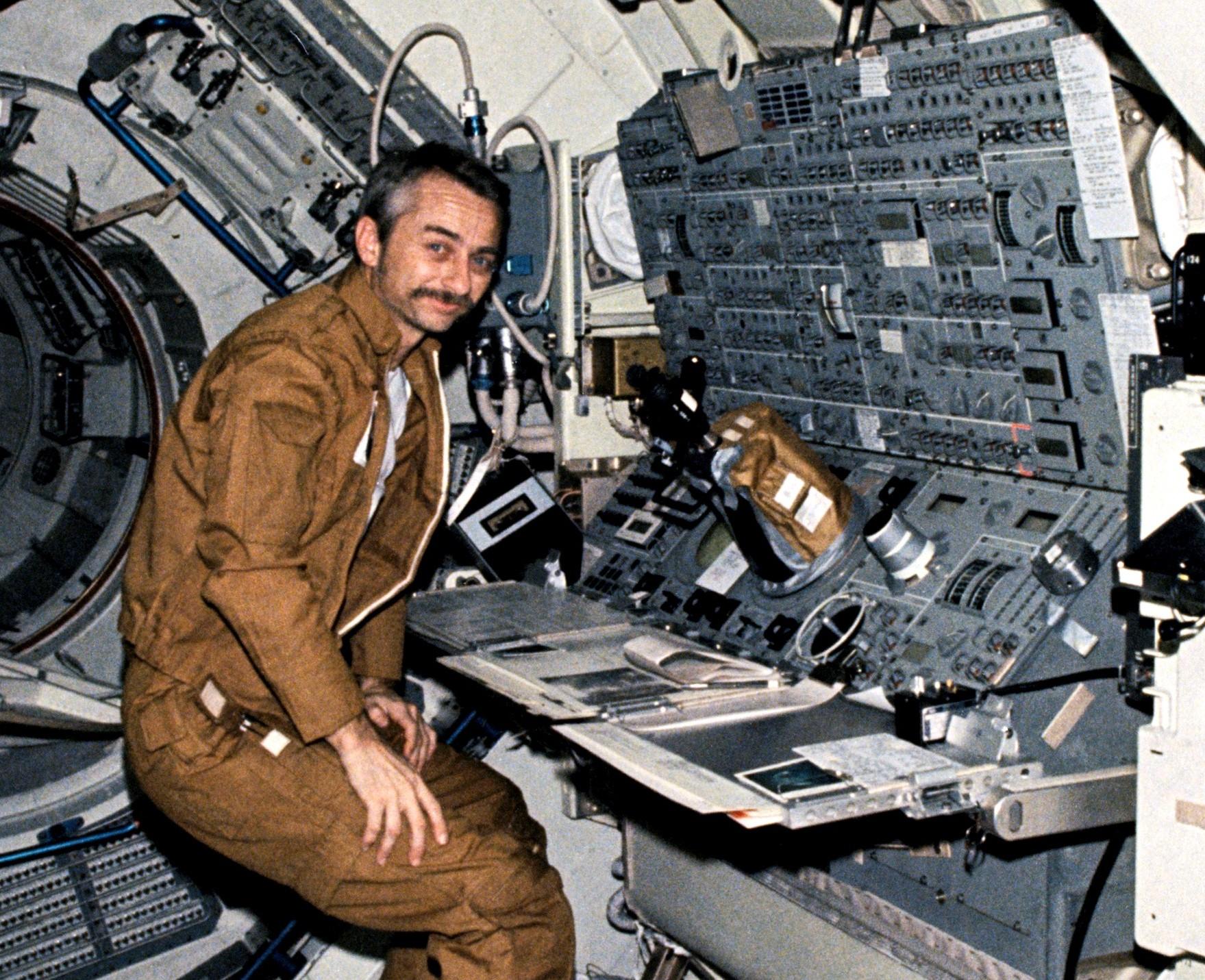 Skylab_3_science_astronaut_Owen_Garriott