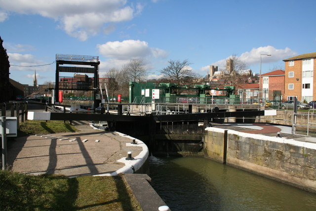 File:Stamp End Lock - geograph.org.uk - 131093.jpg