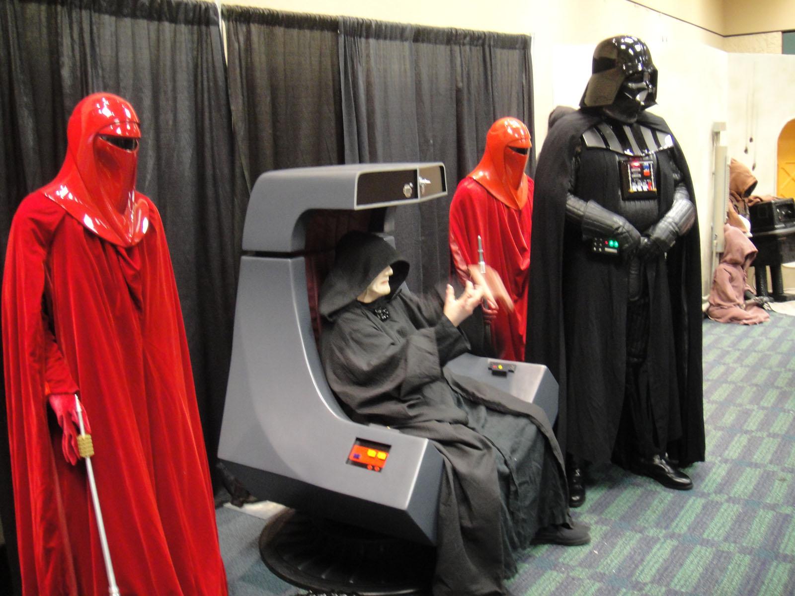 File Star Wars Celebration V 501st Room The Emperor Royal Guards And Darth Vader 4940990136 Jpg Wikimedia Commons