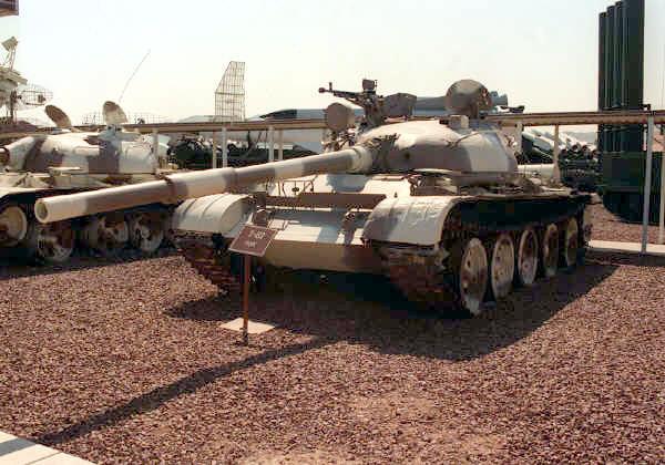 جميع الأسلحة المستخدمة من طرف الجيش الجزائري T-62_BRL