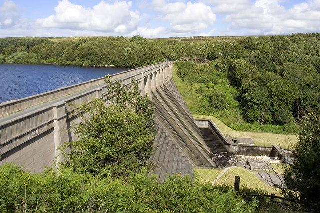 Thruscross Reservoir Dam - geograph.org.uk - 489836
