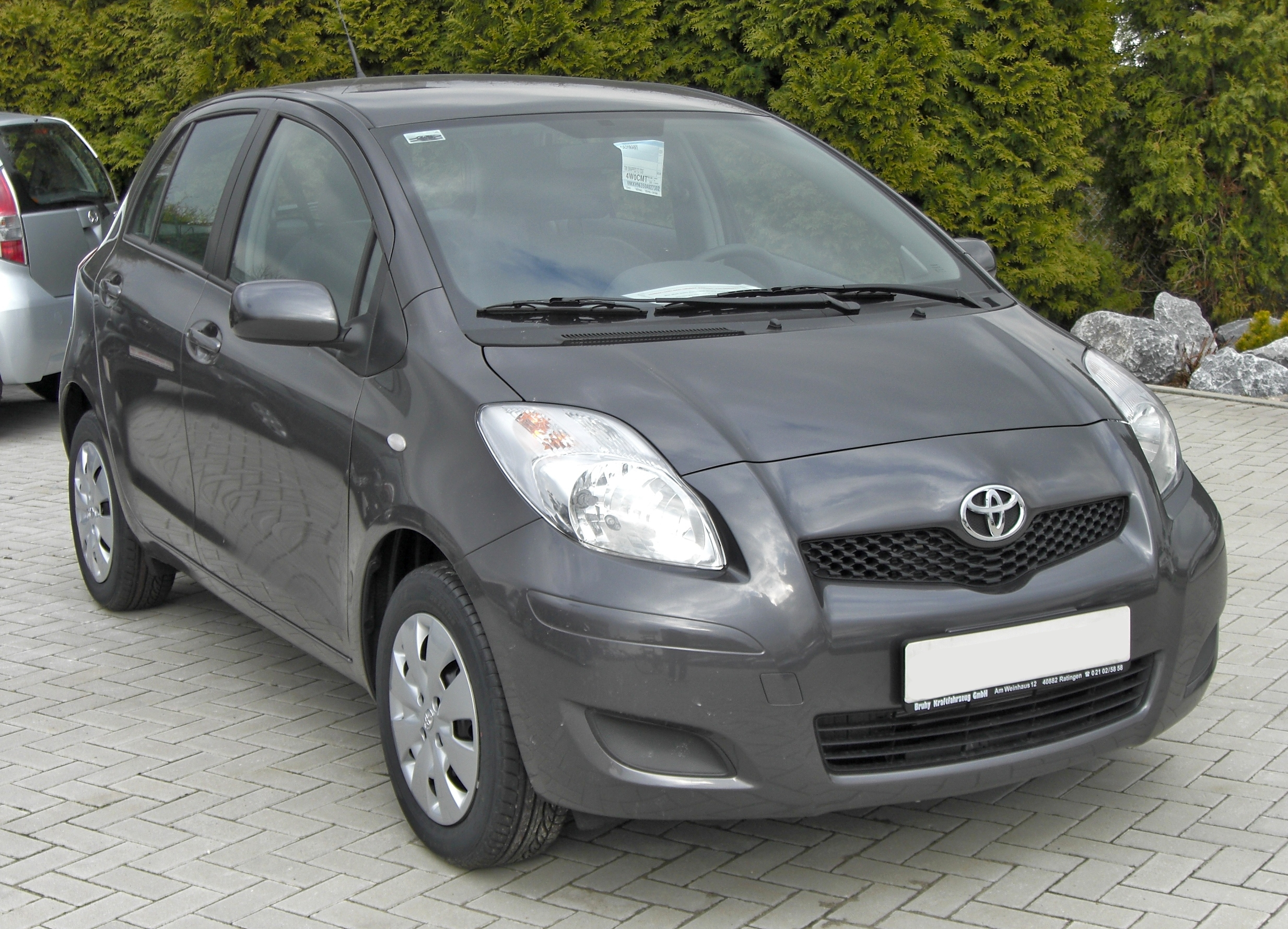 file toyota yaris ii facelift 20090314 wikimedia commons. Black Bedroom Furniture Sets. Home Design Ideas