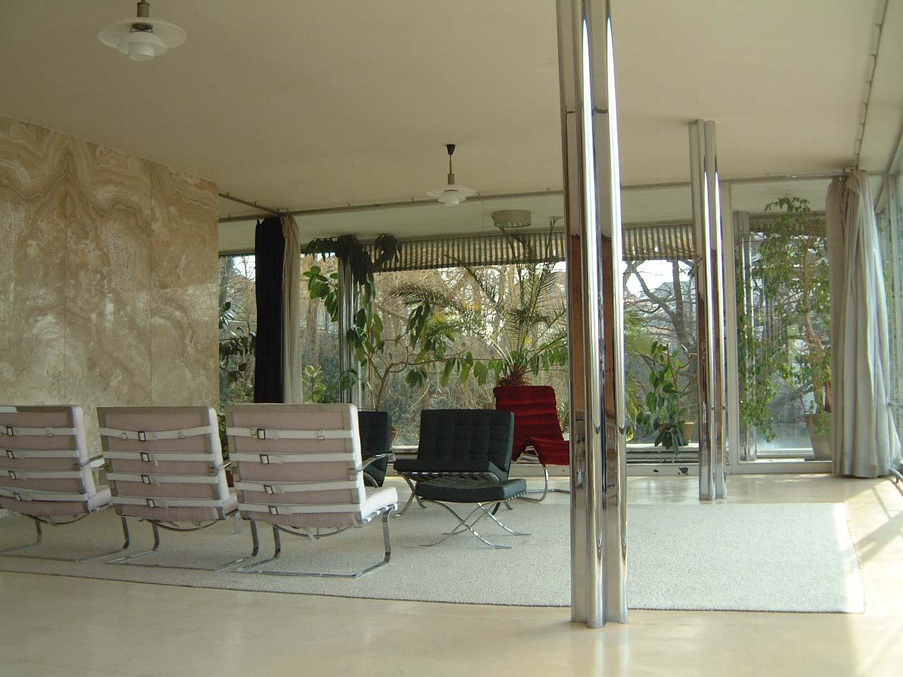 File:Tugendhat living room.jpg - Wikimedia Commons