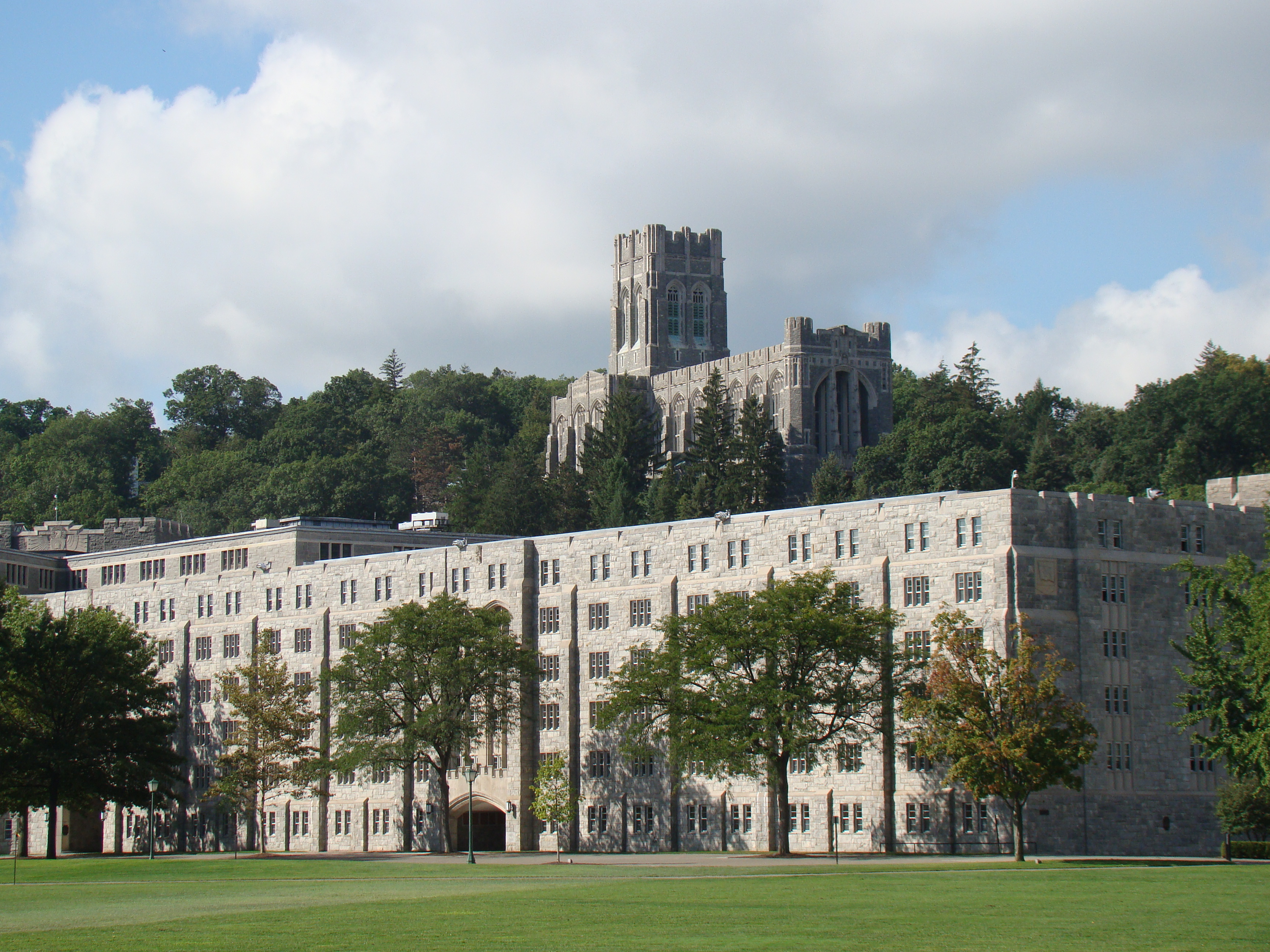 dating at west point My boyfriend was a cadet at west point he is now an officer and i am enlisted if one in the relationship is becoming an officer then the couple must marry before that person becomes an officer.