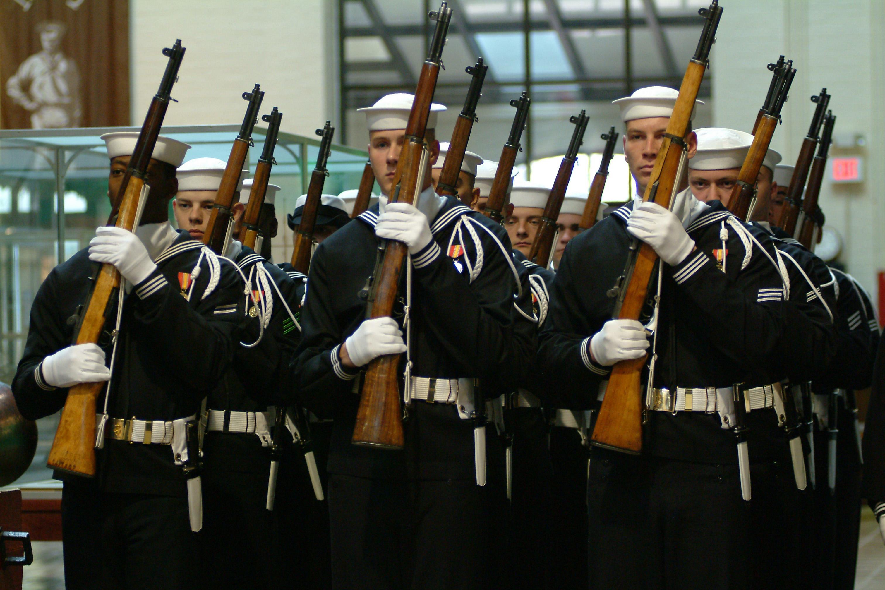 Fileus Navy 031210 N 2383b 006 Us Navy Ceremonial Guard Sailors - Us-navy-ceremonial-guard