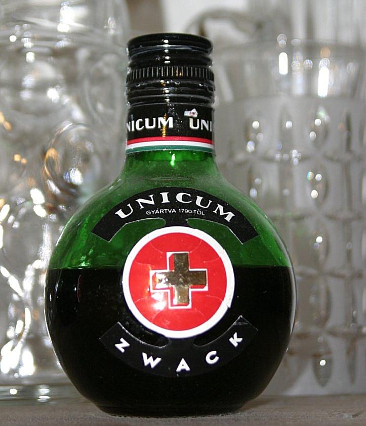 Unicum (Likör) – Wikipedia