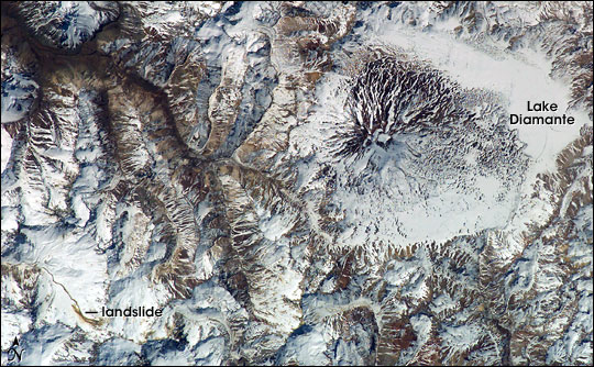 Satellite image of Maipo Volcan Maipo NASA.jpg