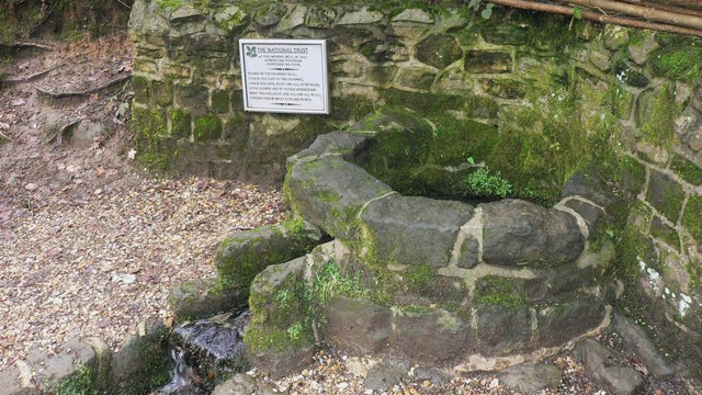 Wishing Well at Waggoners wells - geograph.org.uk - 1160310