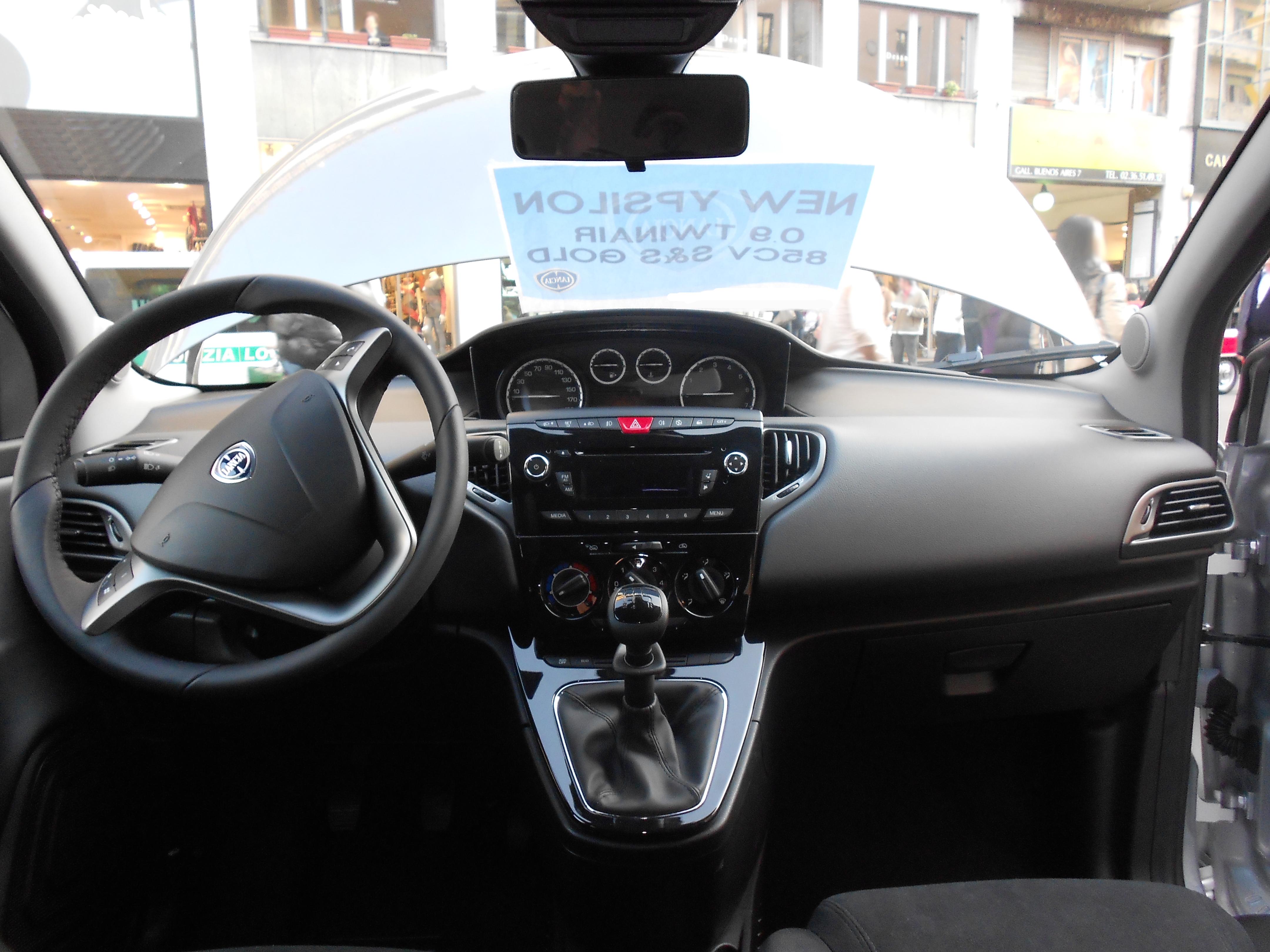 File ypsilon wikipedia lancia y diva 2011 - Lancia y diva 2010 ...