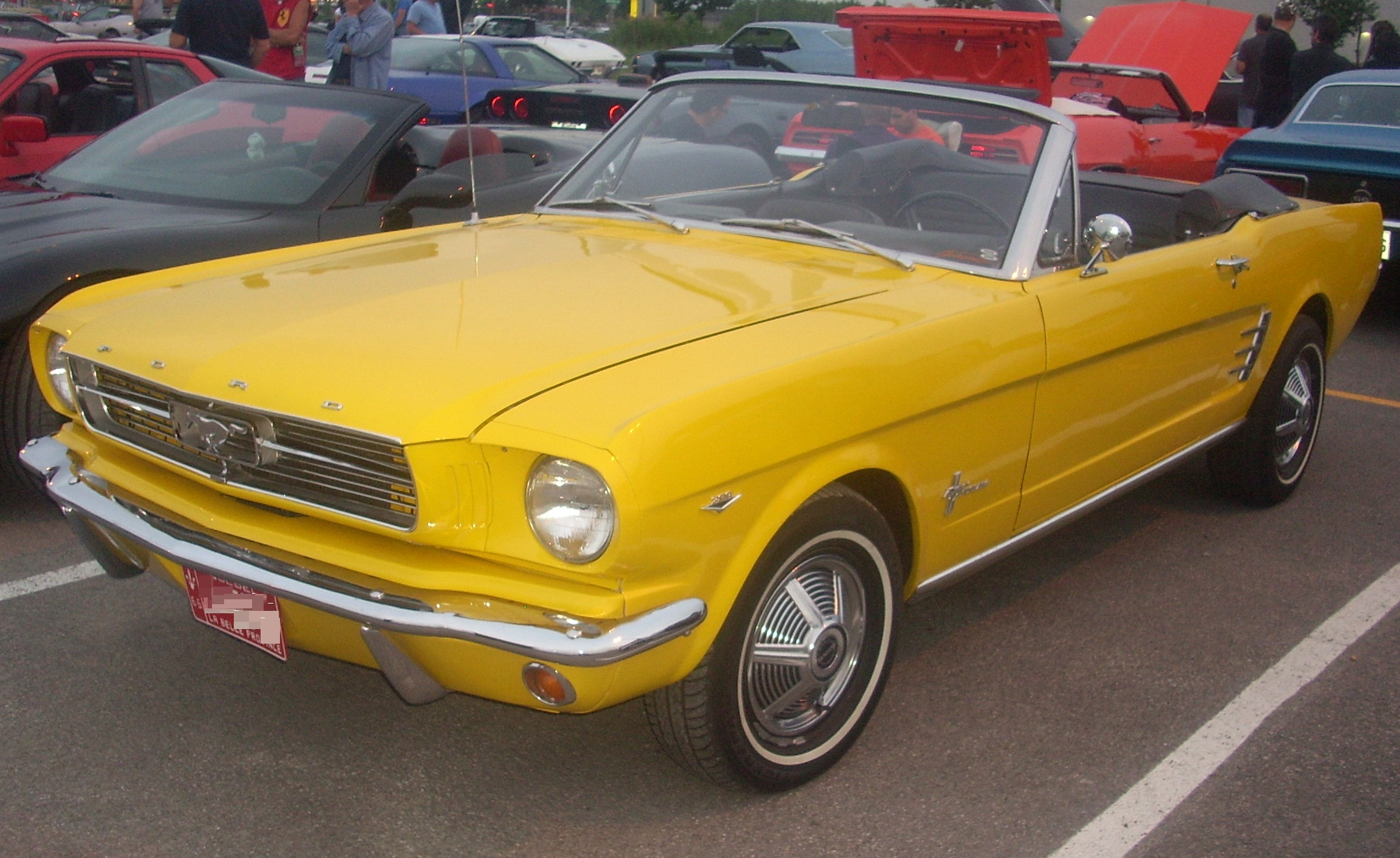 File 66 Ford Mustang Convertible Centropolis Laval
