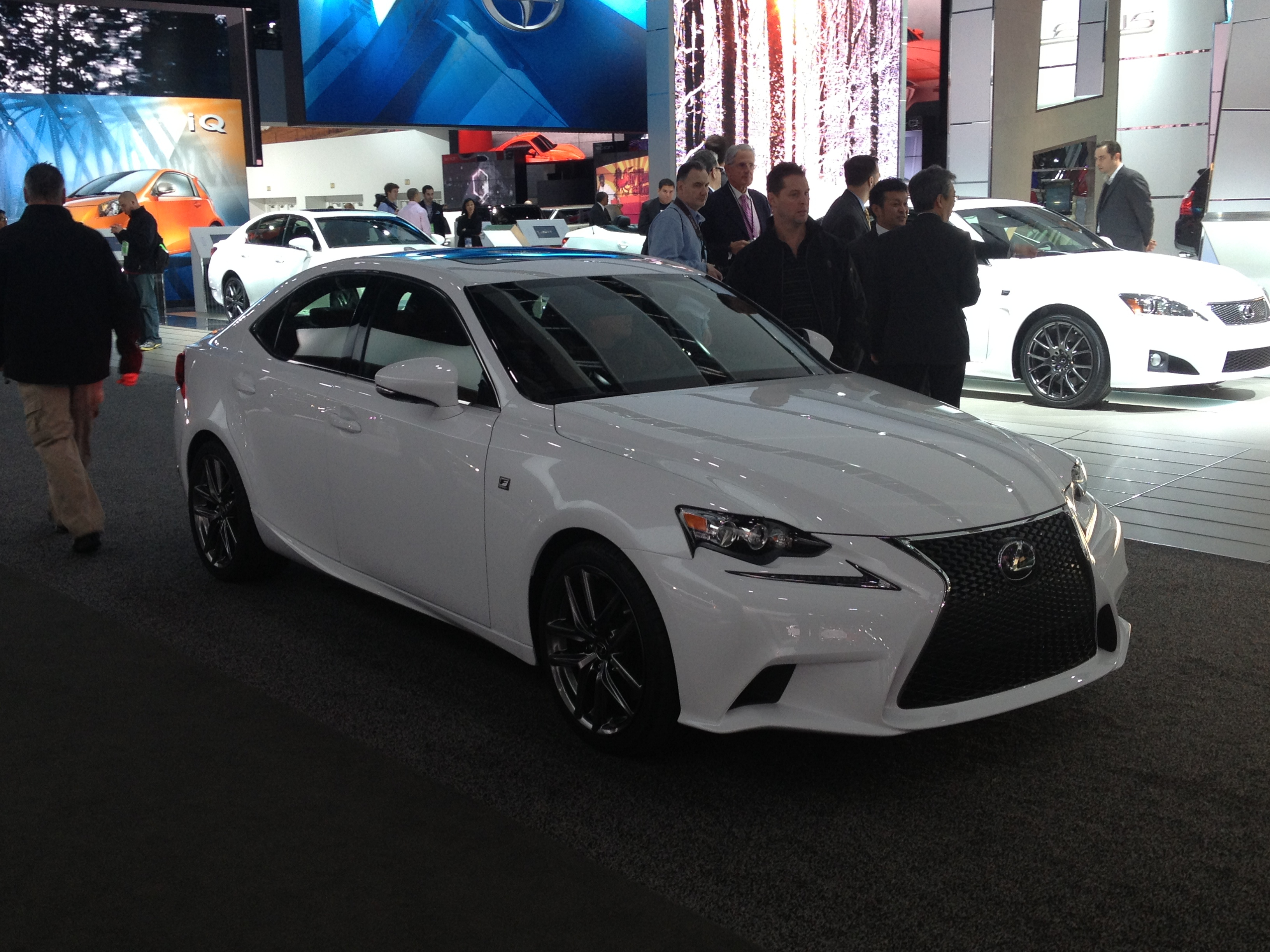 file 2014 lexus is350 f sport 8402956001 jpg wikimedia commons. Black Bedroom Furniture Sets. Home Design Ideas