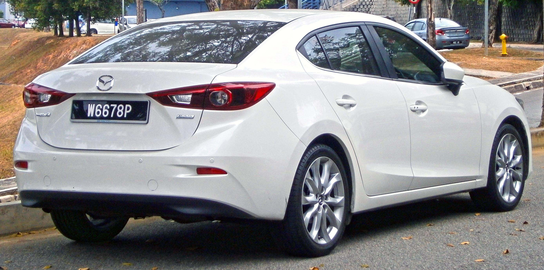 File2014 Mazda 3 Sedan BM 20 SkyActiv CBU 4door sedan