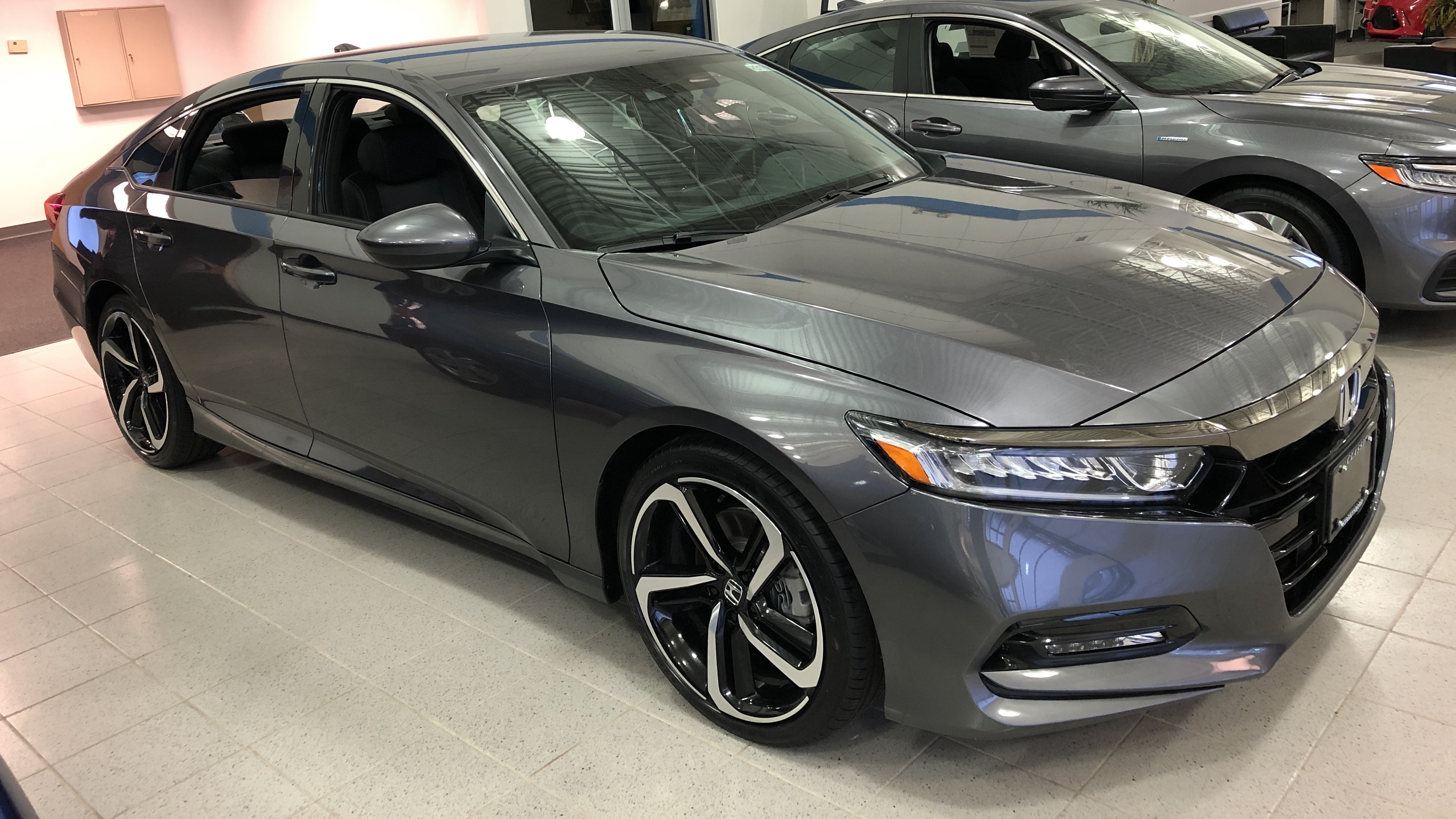 File:2019 Honda Accord 1.5T Sport, 1.4.20.jpg - Wikimedia Commons