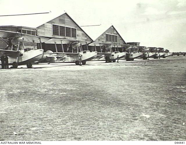File:5 Squadron RAAF Seagulls at Richmond 1938 AWM 044441.jpg