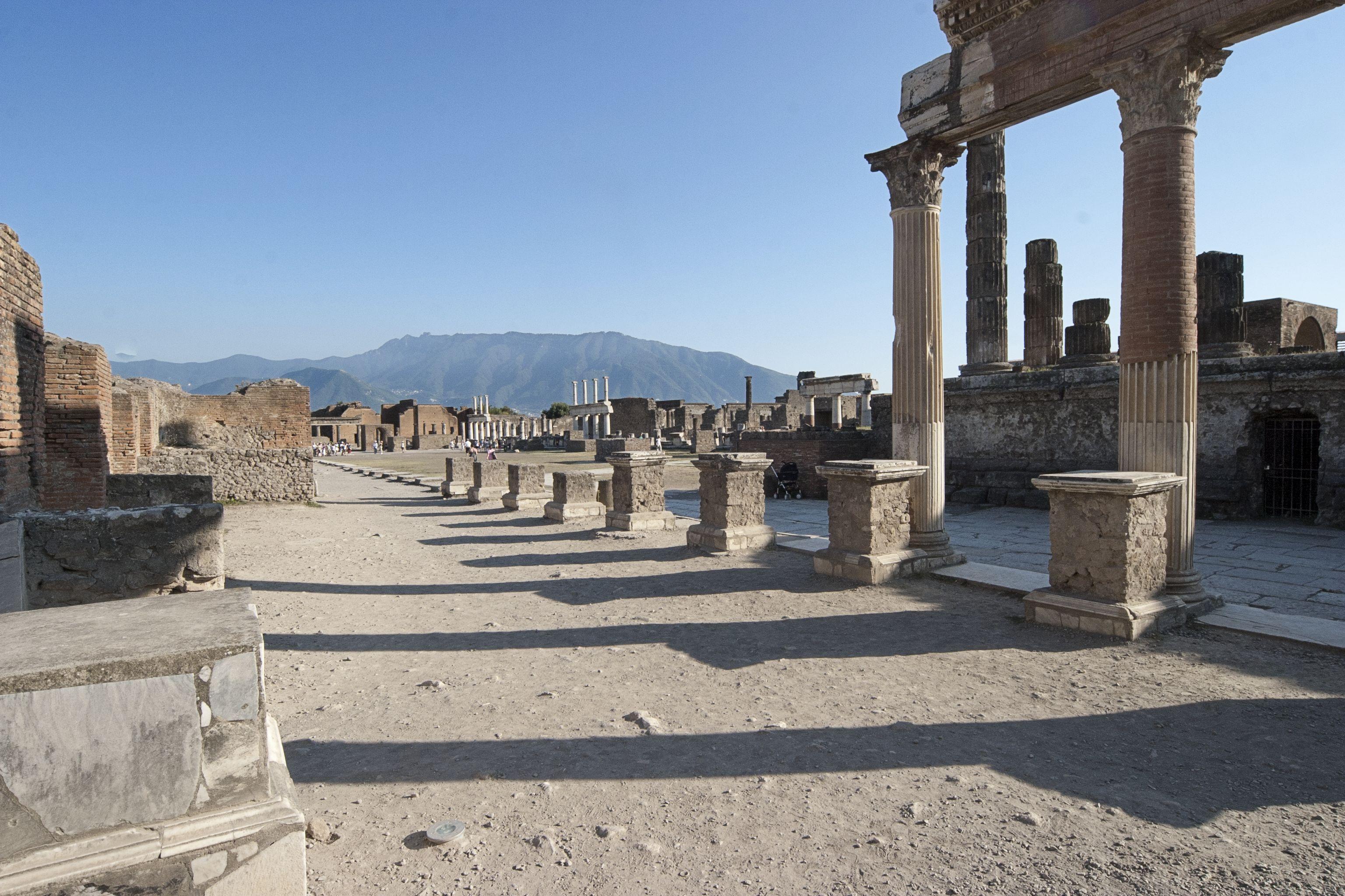 File:80045 Pompeii, Metropolitan City of Naples, Italy ...