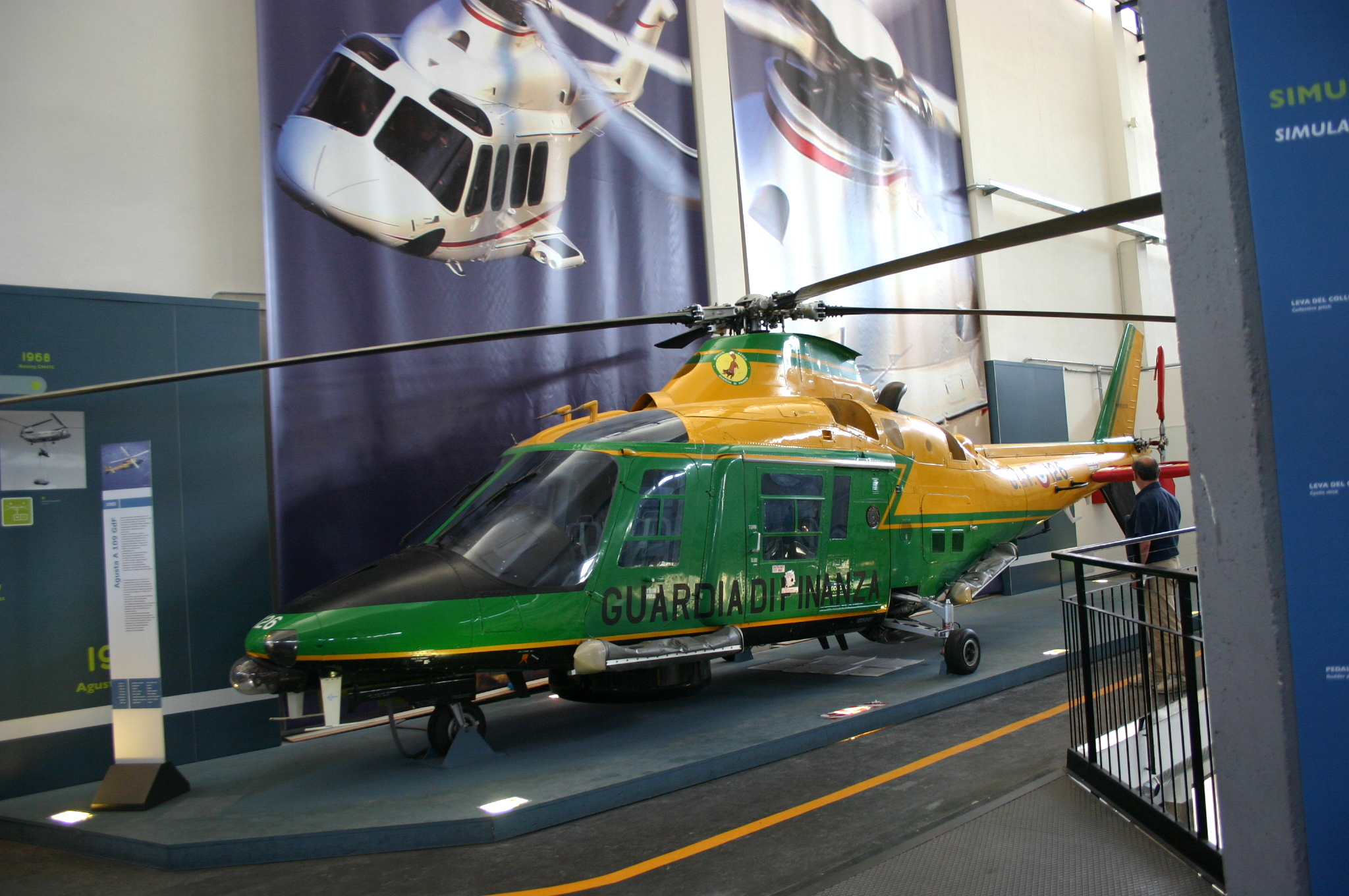 Elicottero Milano : File:9974 milano museo scienza elicottero augusta a 109 1985