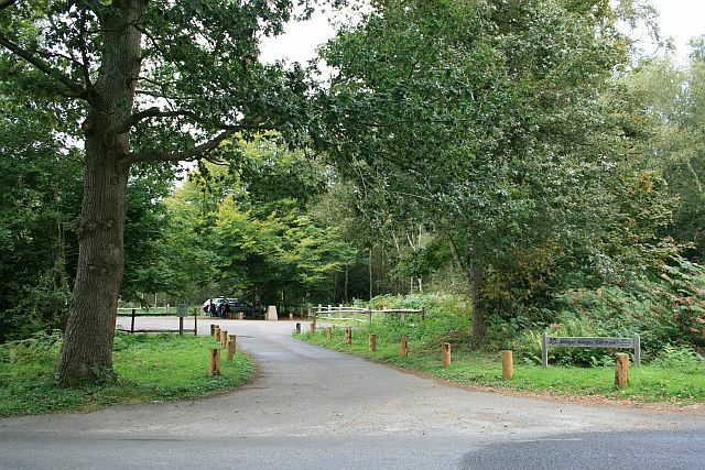 Abinger Roughs car park - geograph.org.uk - 1508172