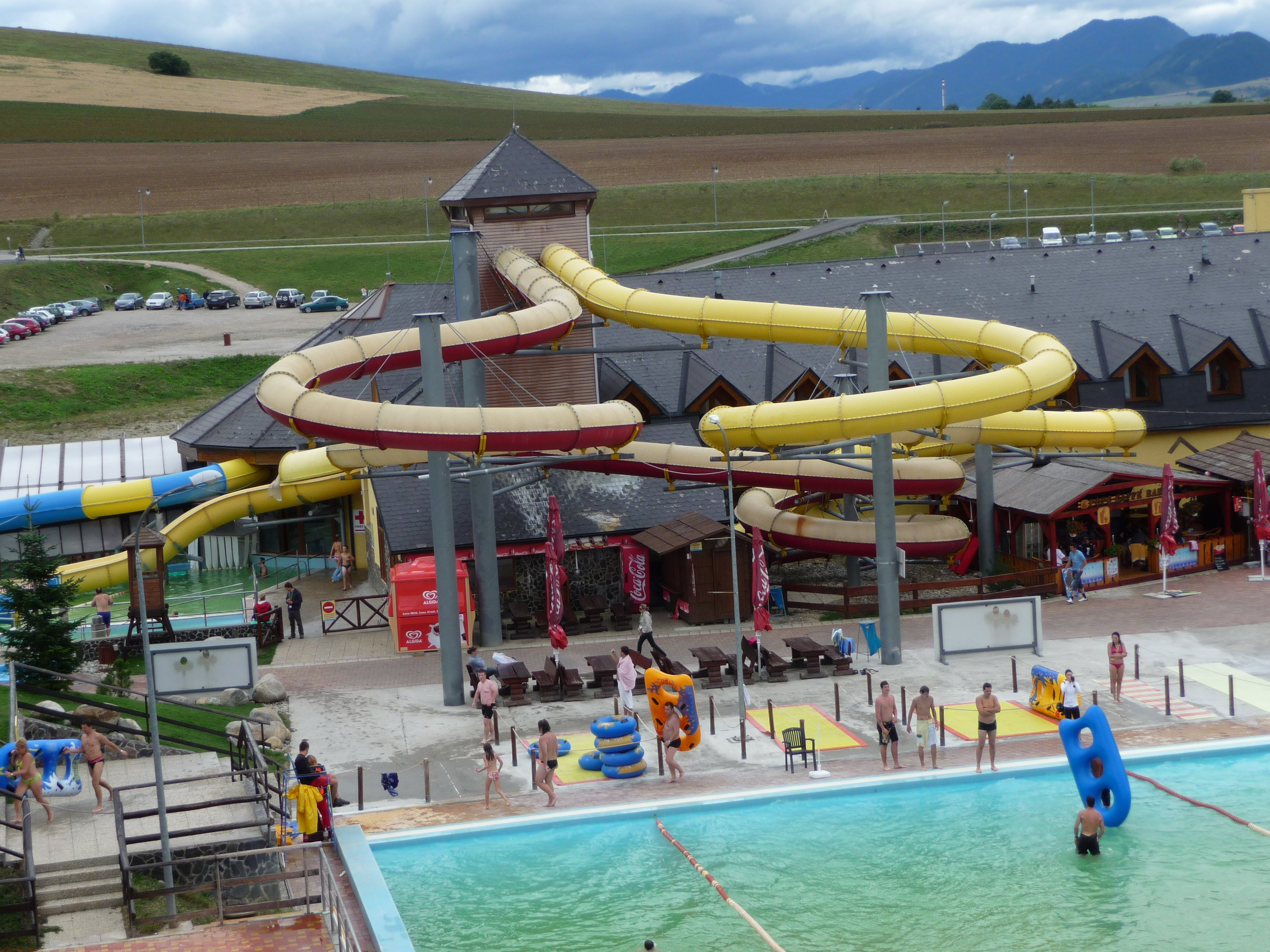 Description Aquapark Tatralandia (13).jpg: commons.wikimedia.org/wiki/File:Aquapark_Tatralandia_(13).jpg
