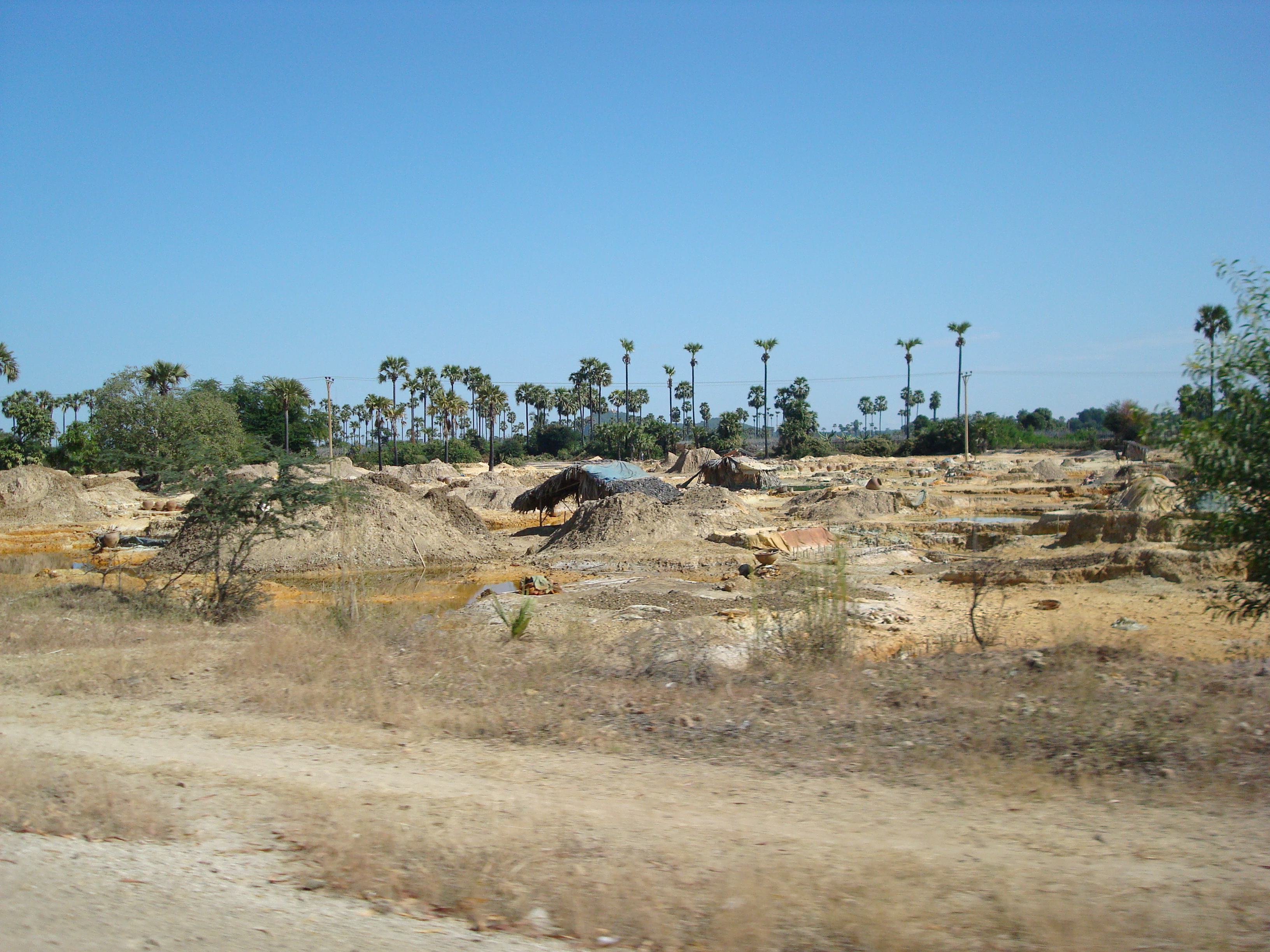 Artisanal Mine near Letpadaung.JPG