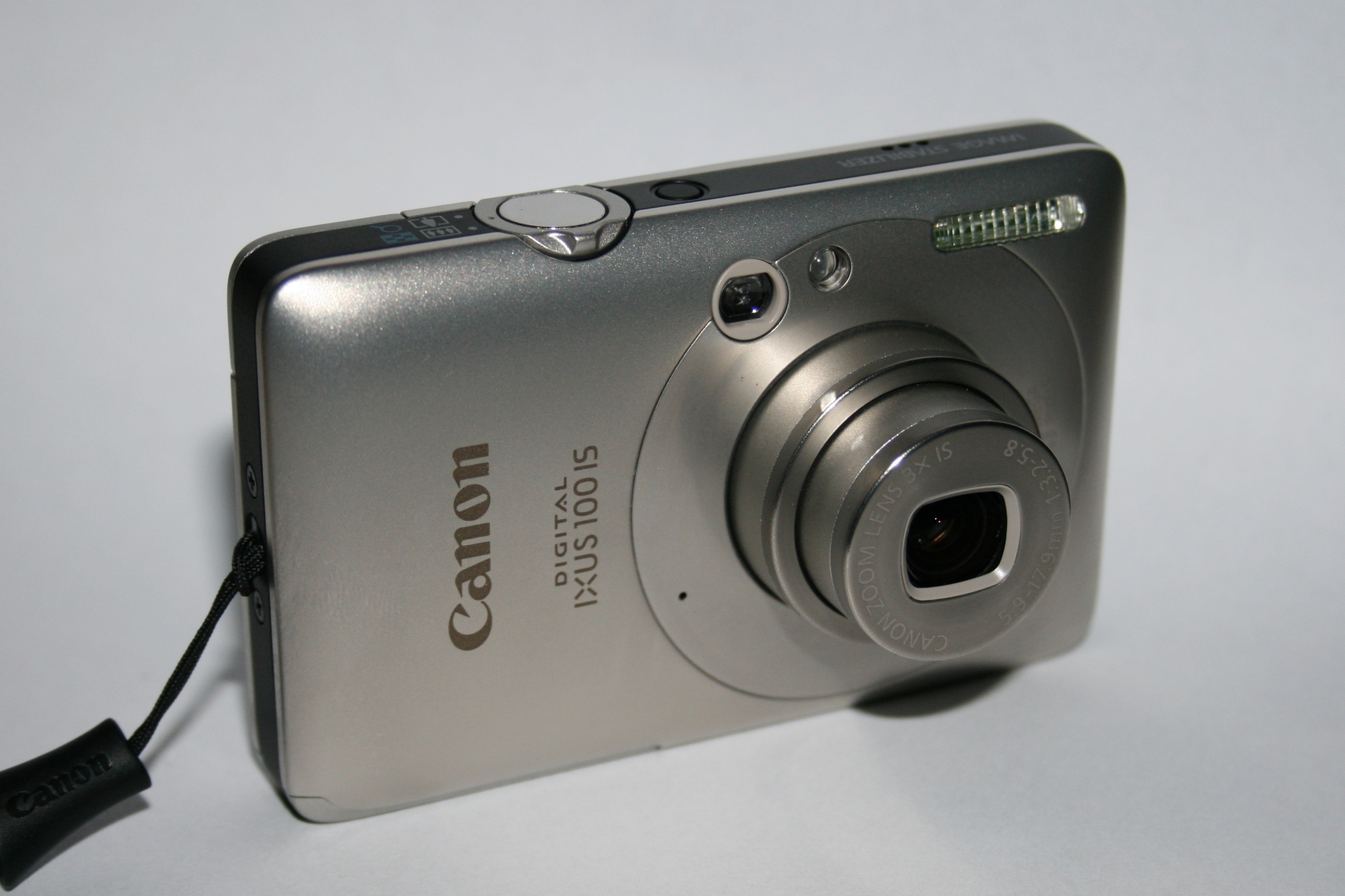 File:Canon Digital IXUS 100 IS-front - oblique.jpg