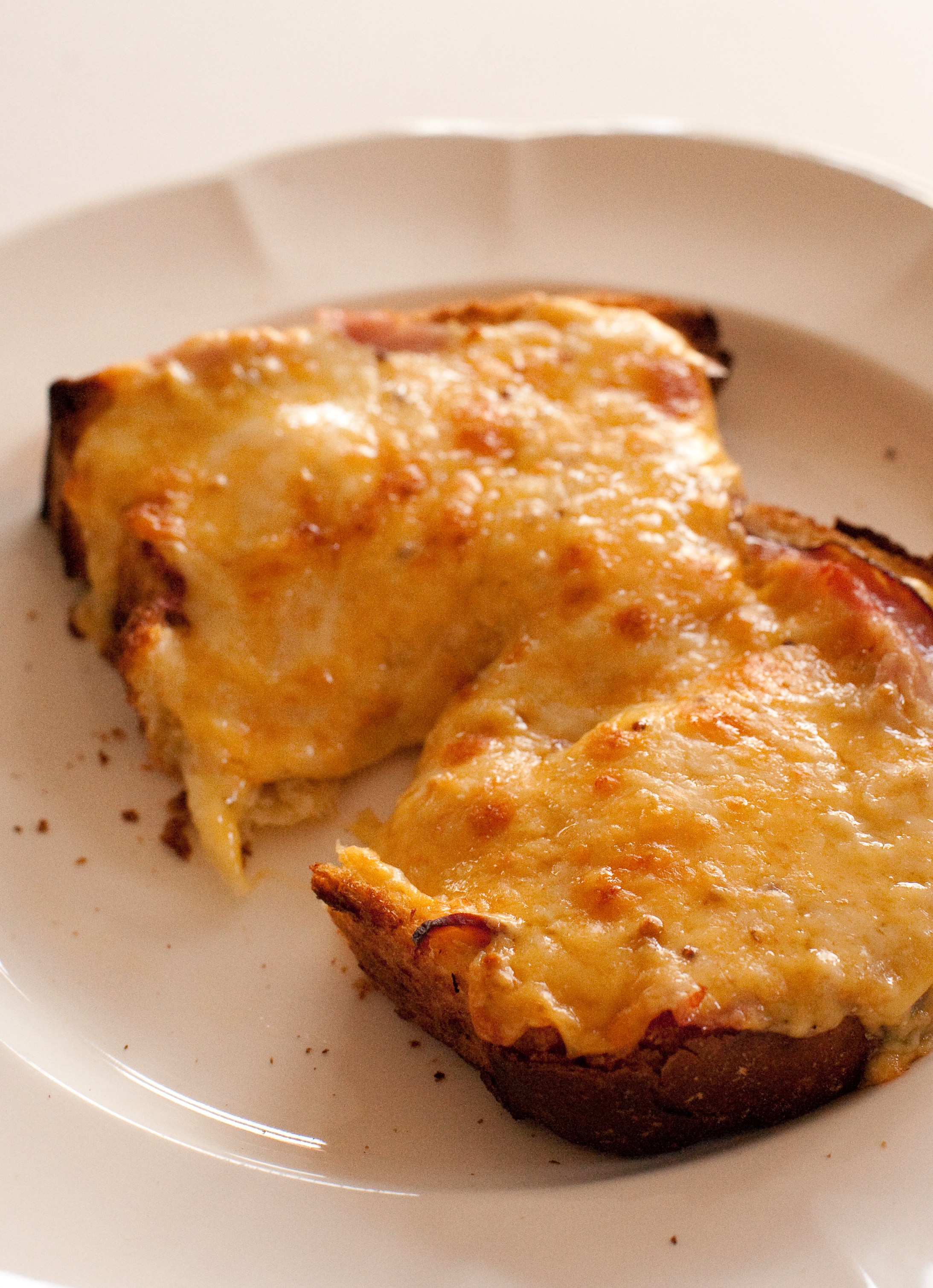 Jose Pizarro's Fillet Steak On Toast With Onions And Melted Cheese ...