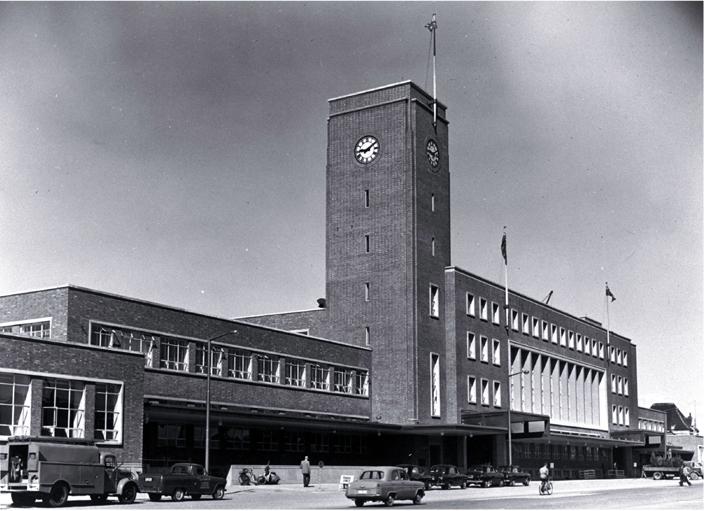 File:Christchurch railway station, 1960.jpg