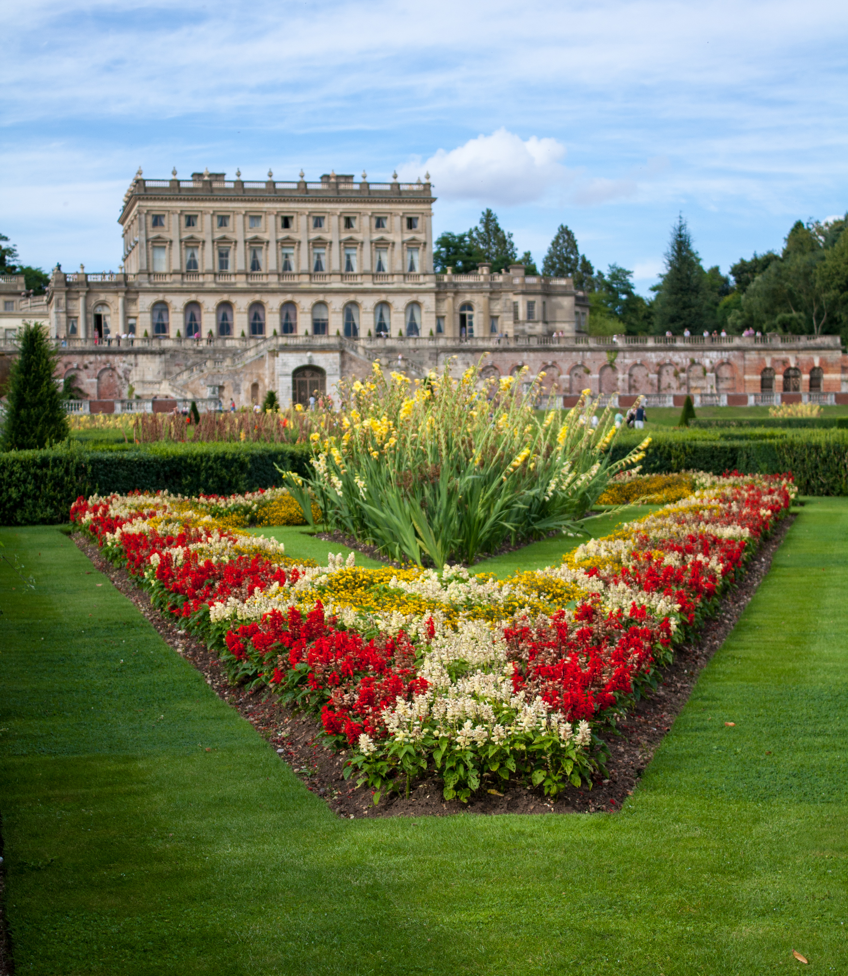 File Cliveden House Parterre Jpg Wikimedia Commons