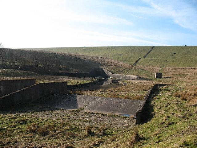 Concrete weir below Balderhead Reservoir - geograph.org.uk - 685656.jpg