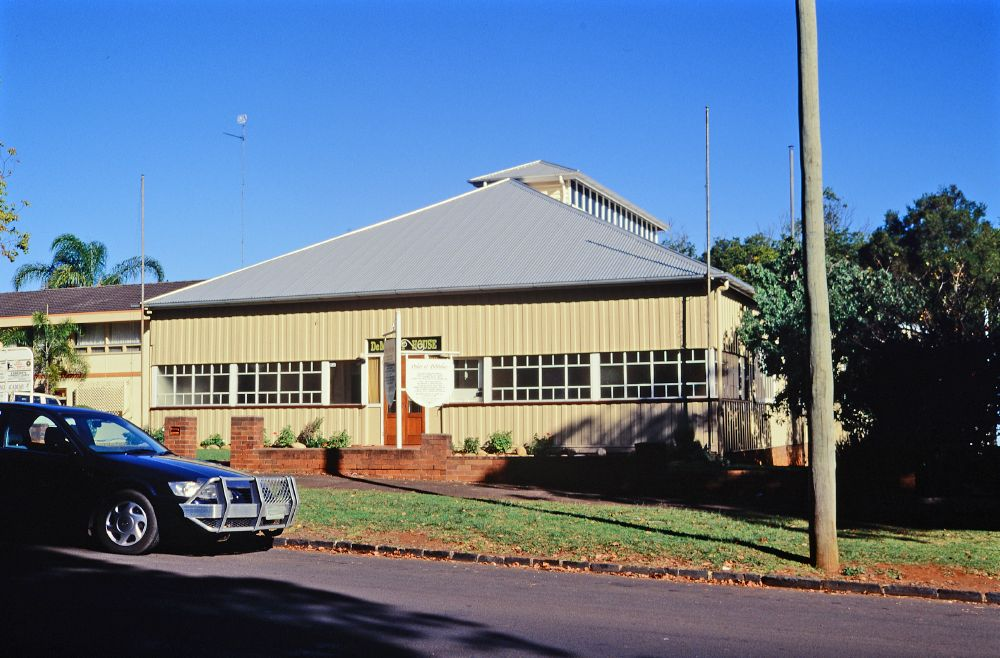 File de molay house 2000 formerly old toowoomba court for Classic house 2000s