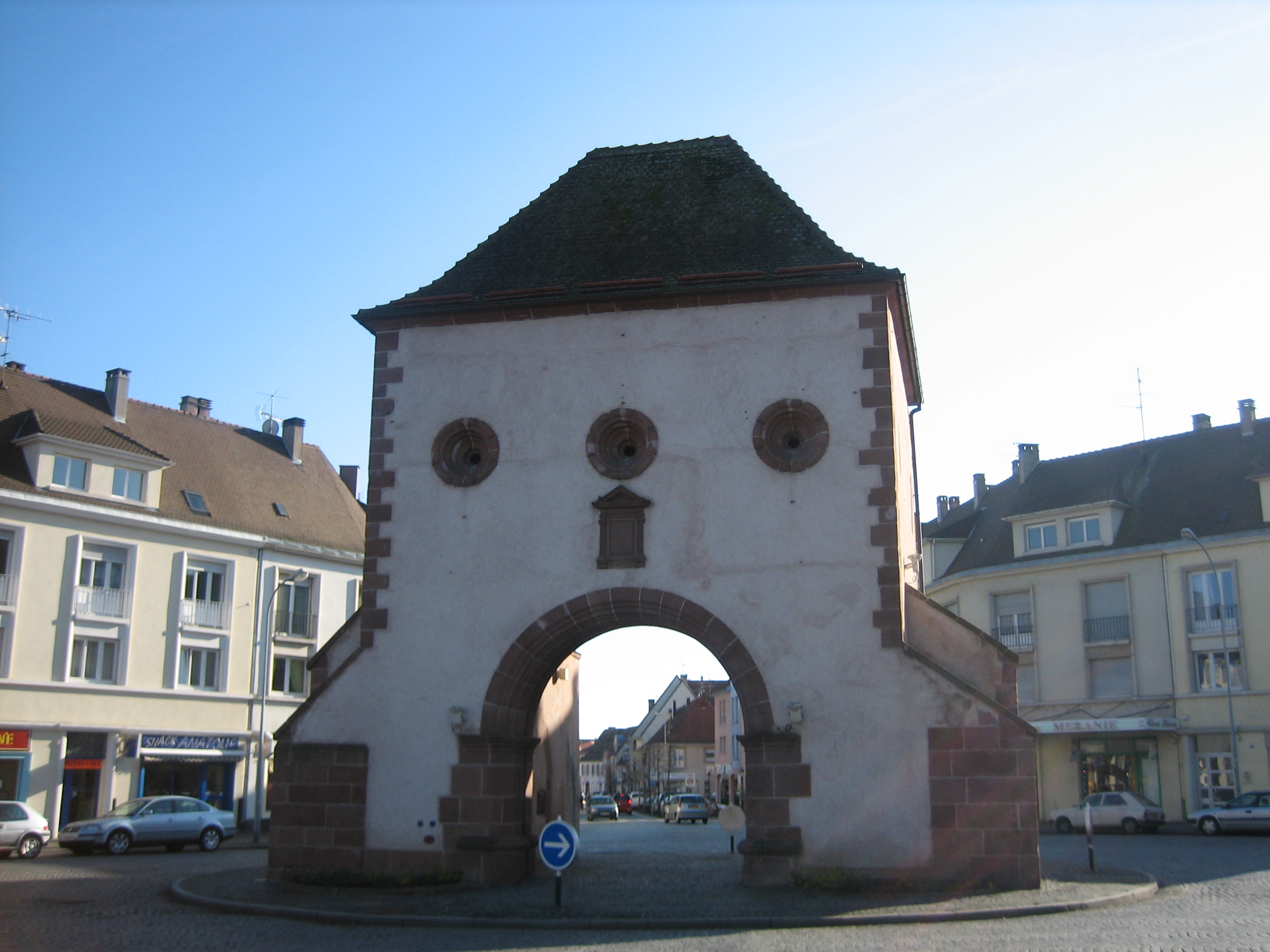 Haguenau France  City pictures : Description EU FR AL 67@Haguenau Porte de Wissembourg