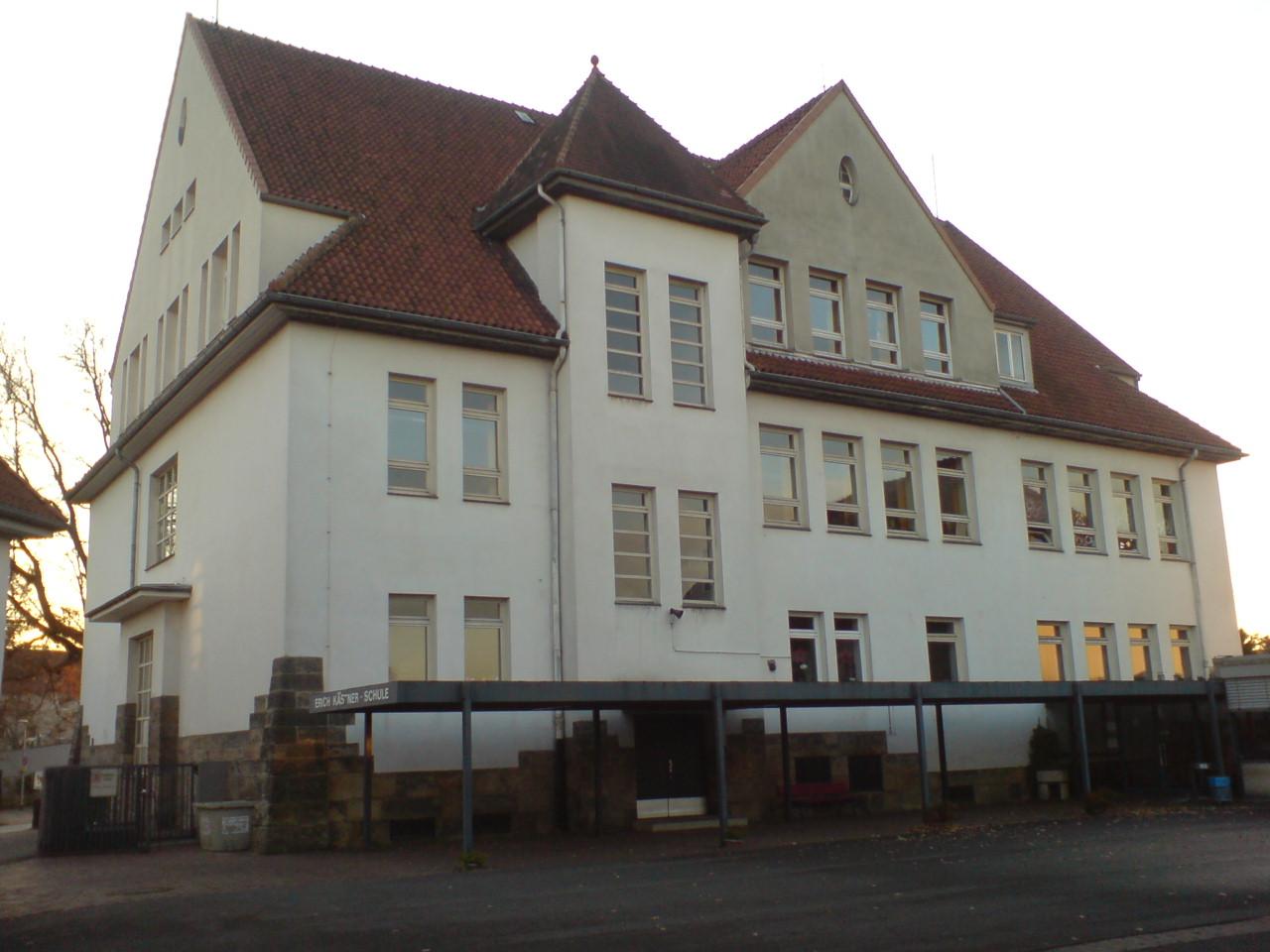 Hannover blick vom hof auf das denkmalgeschützte gebäude