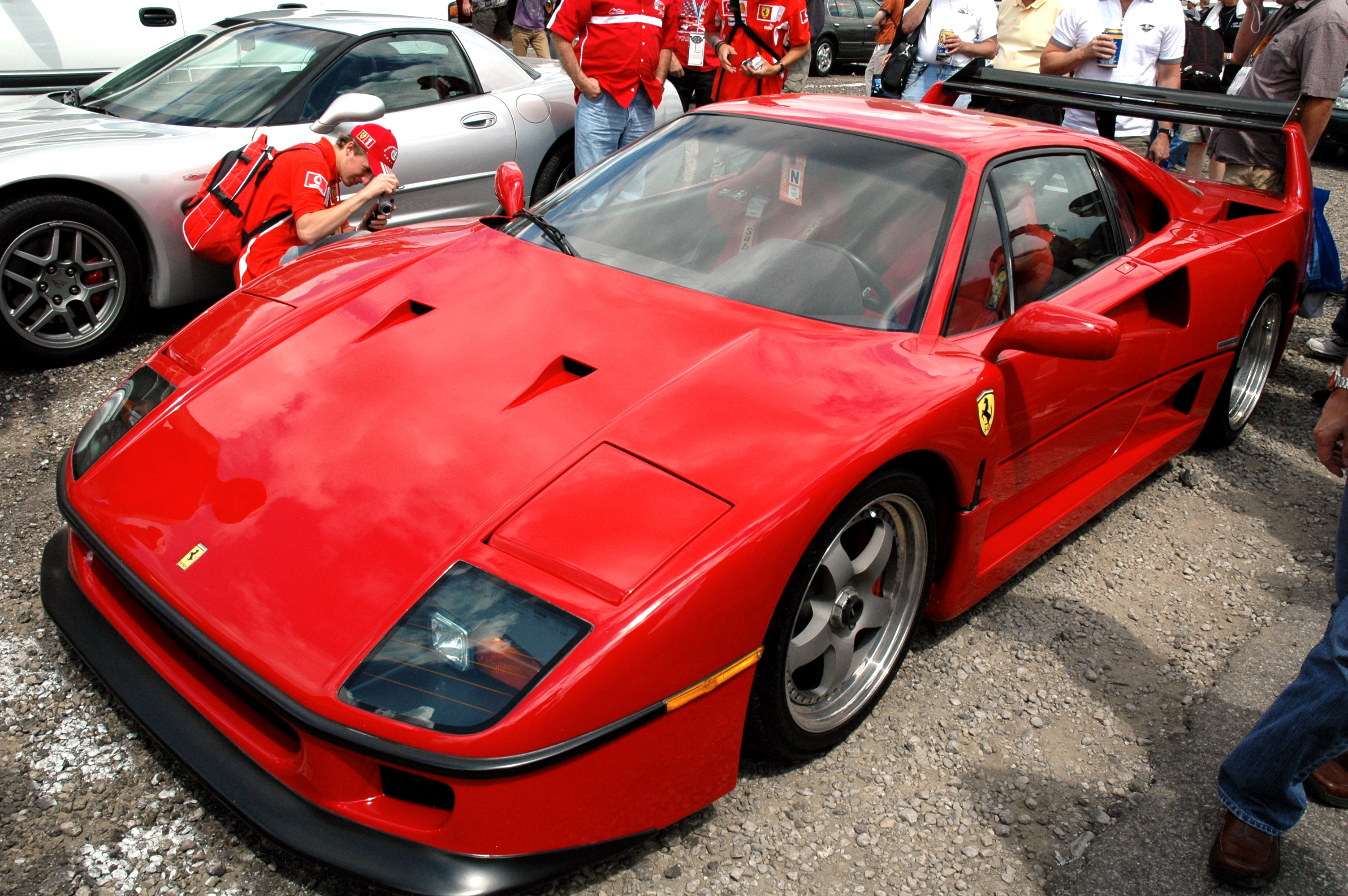 file ferrari f40 in ims parking wikimedia commons. Black Bedroom Furniture Sets. Home Design Ideas